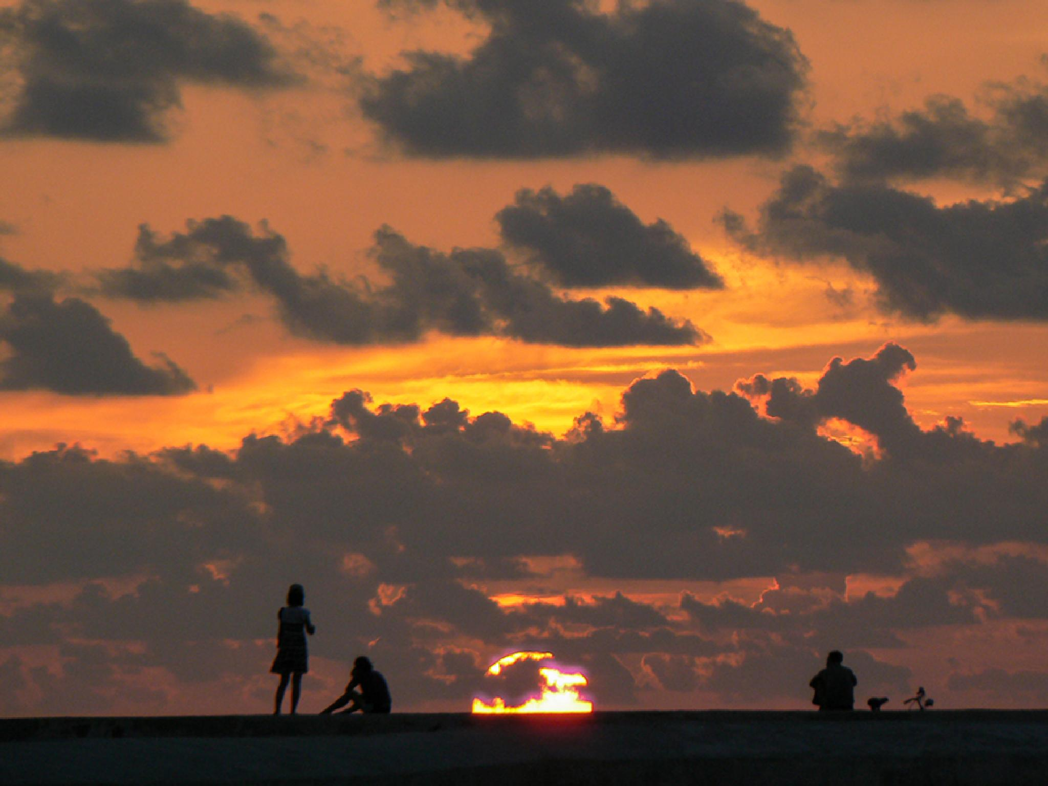 Sunset in Havana City by jackselyn