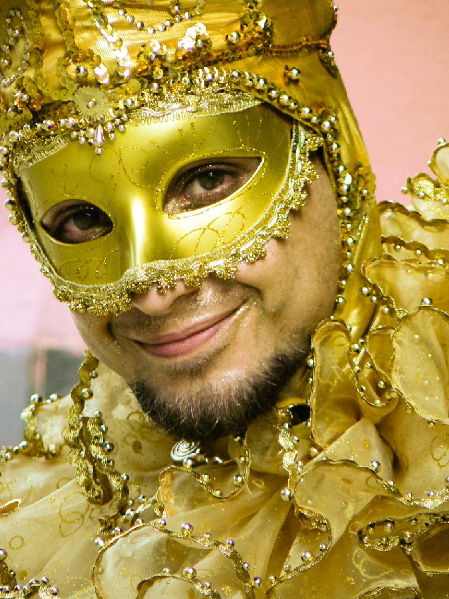 Golden smile by jackselyn