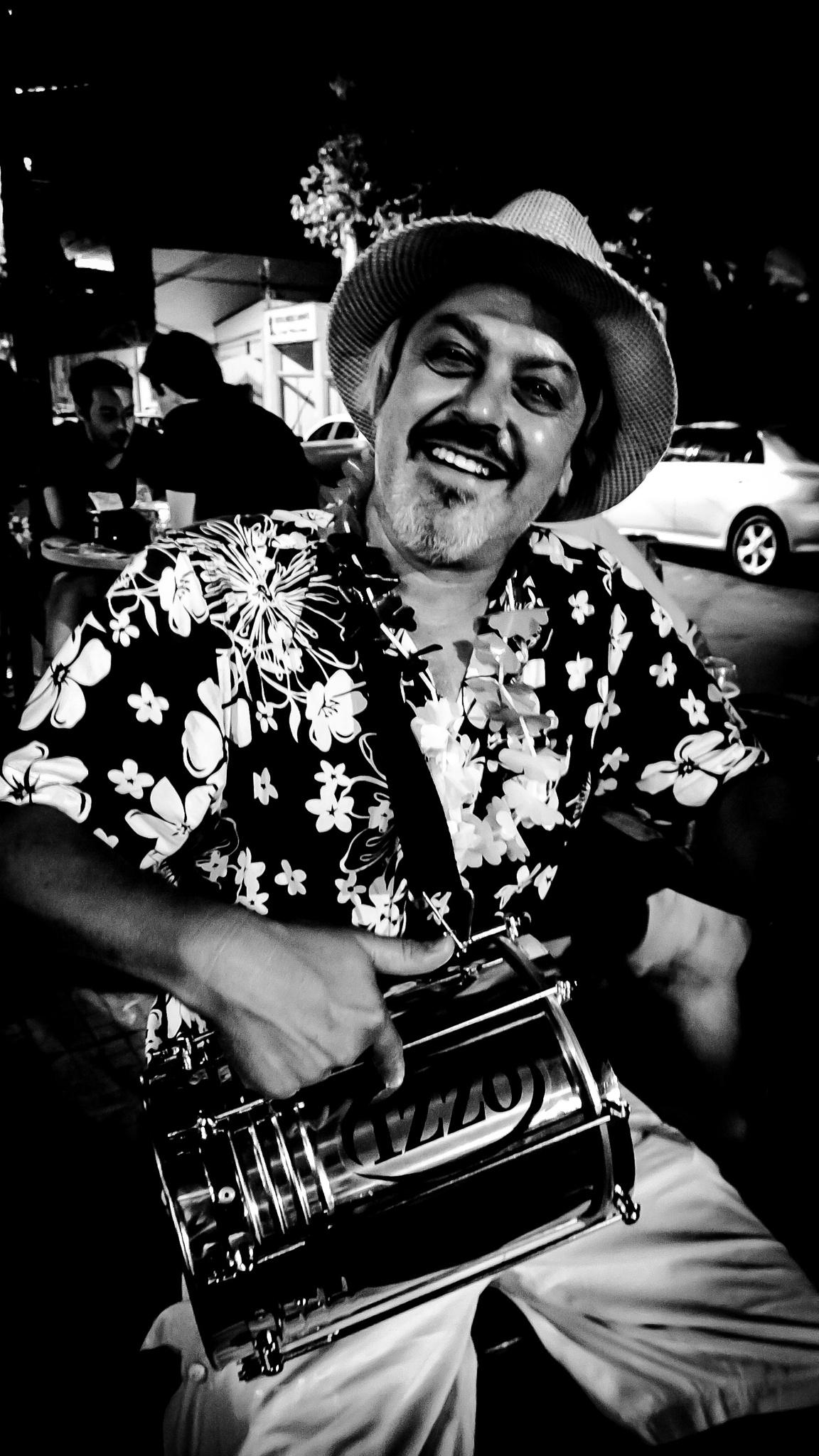 carnaval, festa da cuica. Carnival, party cuica  by xande.rachid