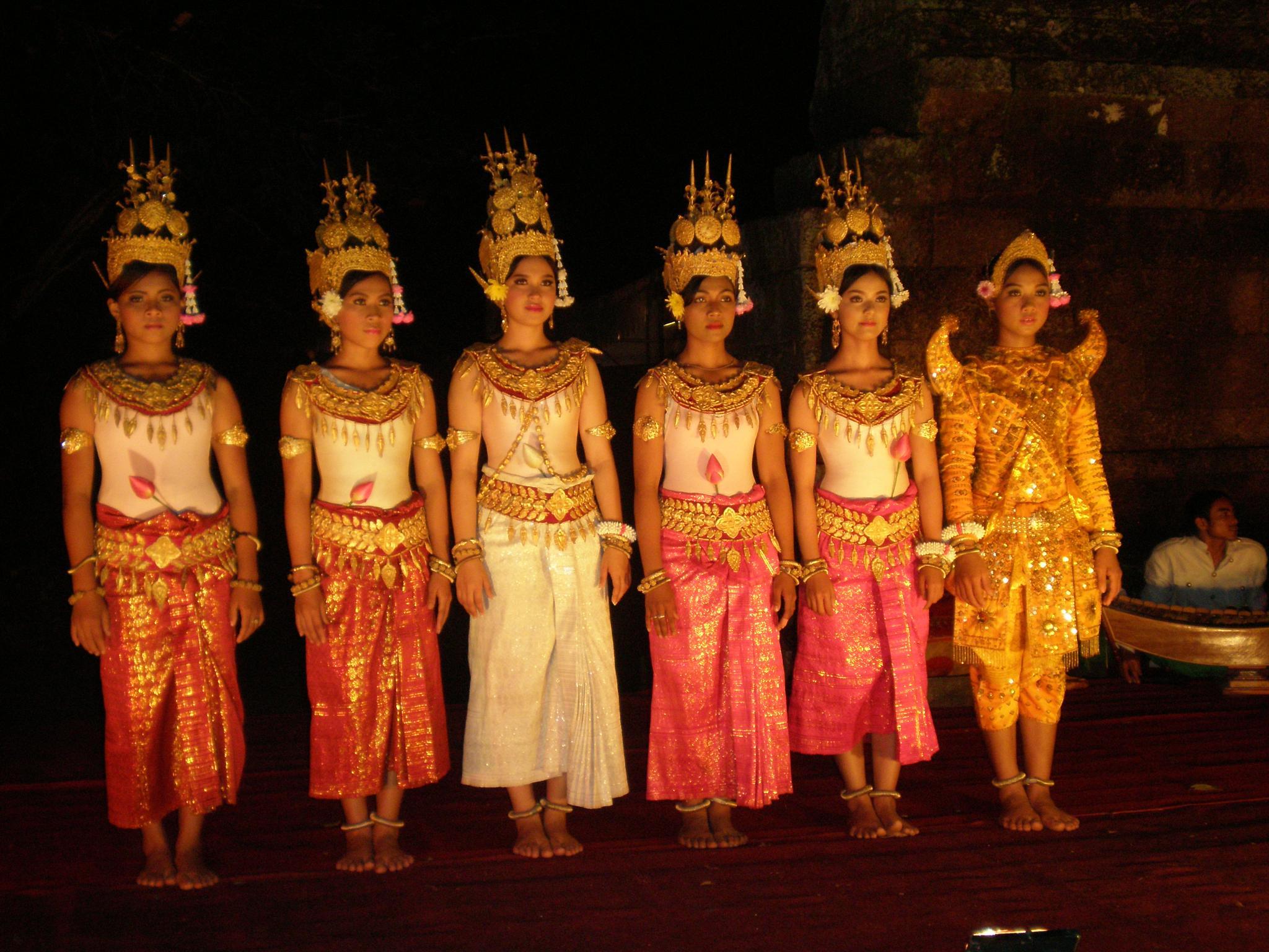 Colourful Cambodia by robyn.ballard