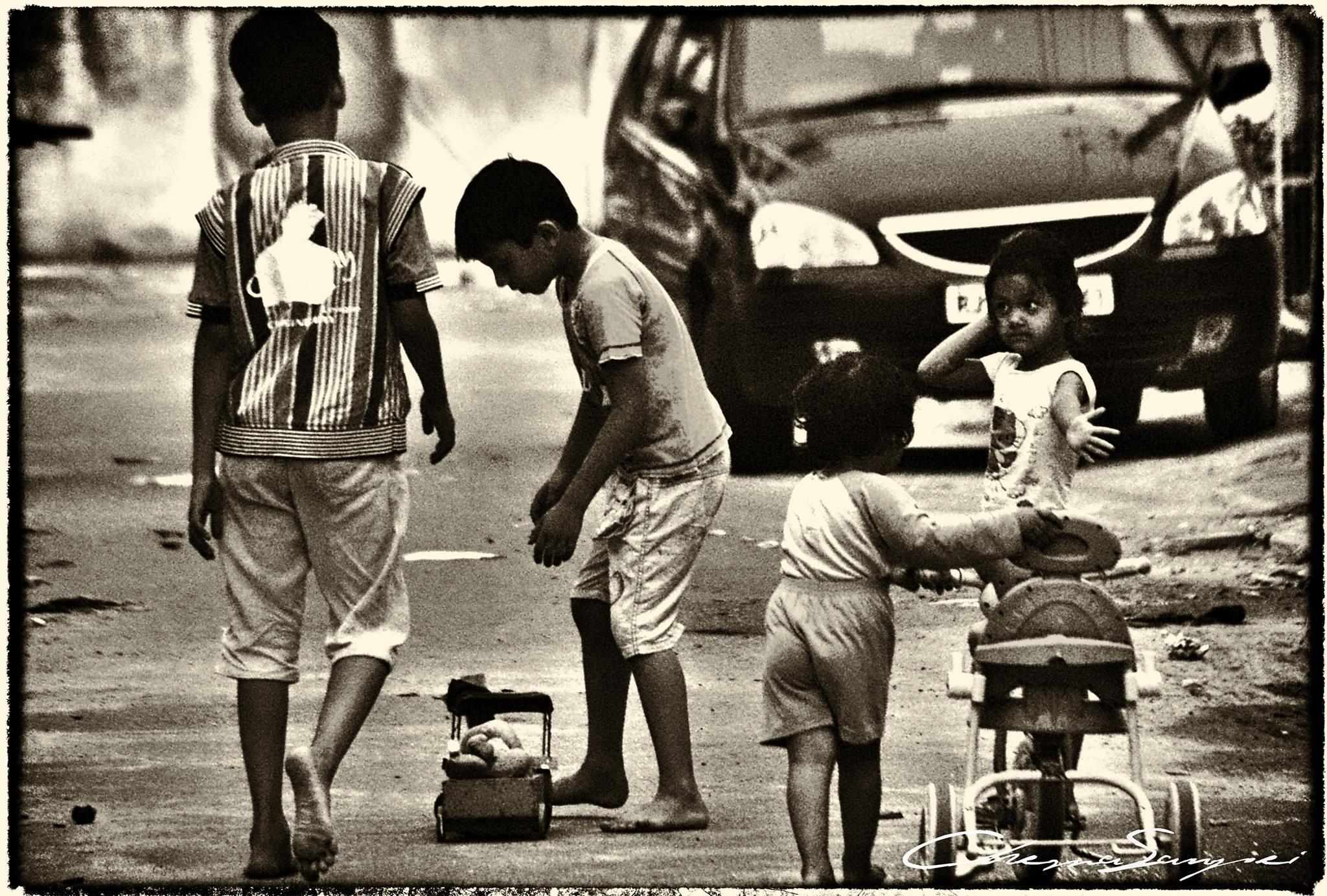 Niños jugando by chemasanpei