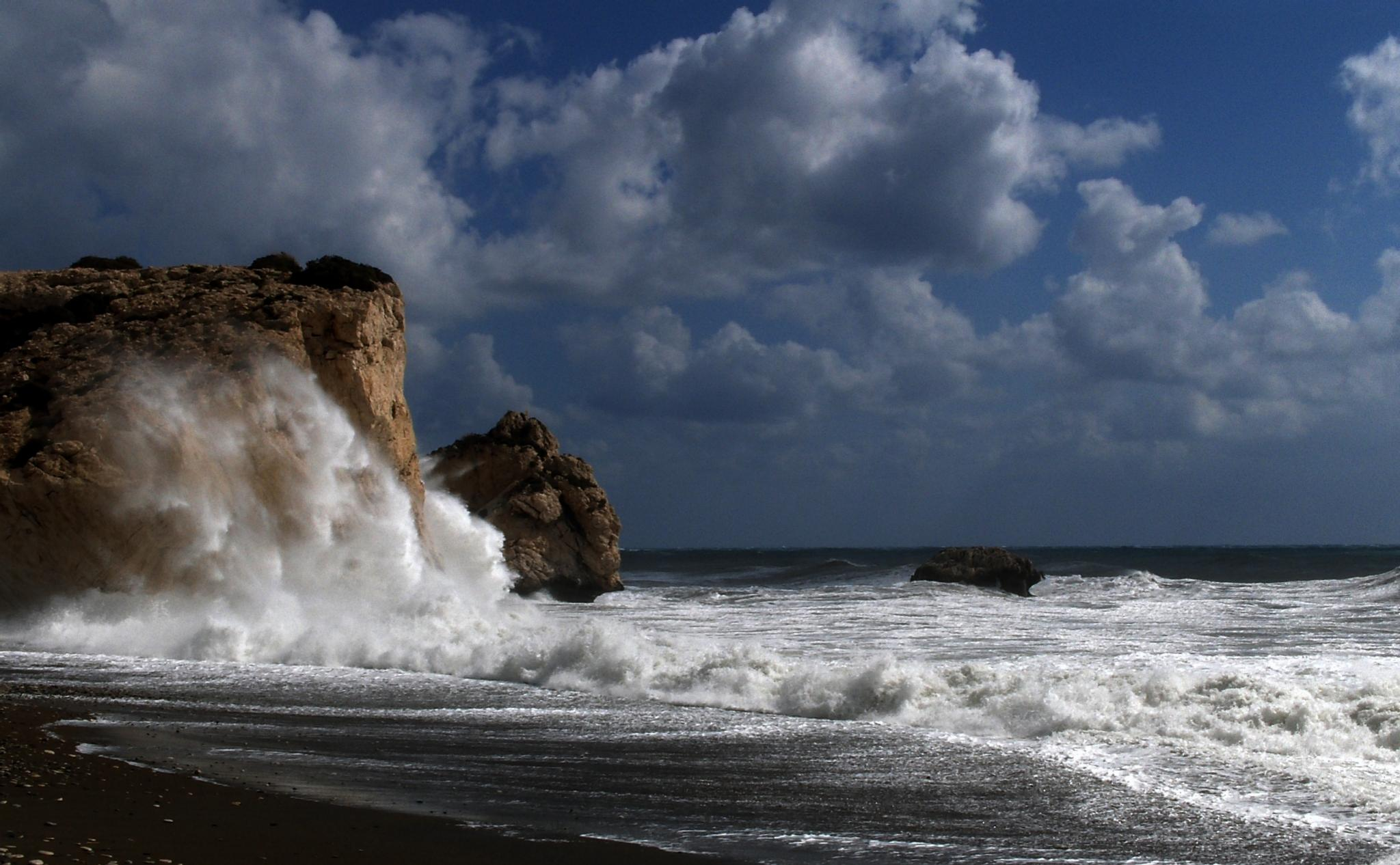 Stormy Weather Cyprus. by Hans Leth