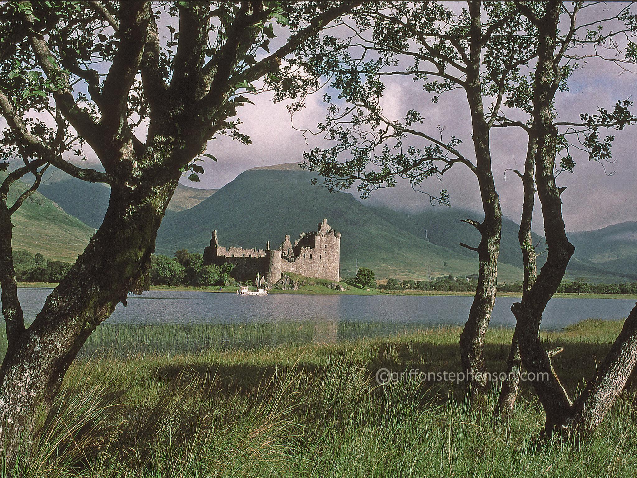 Lochside Guardian by Thomas Dyer@griffonstephenson.com