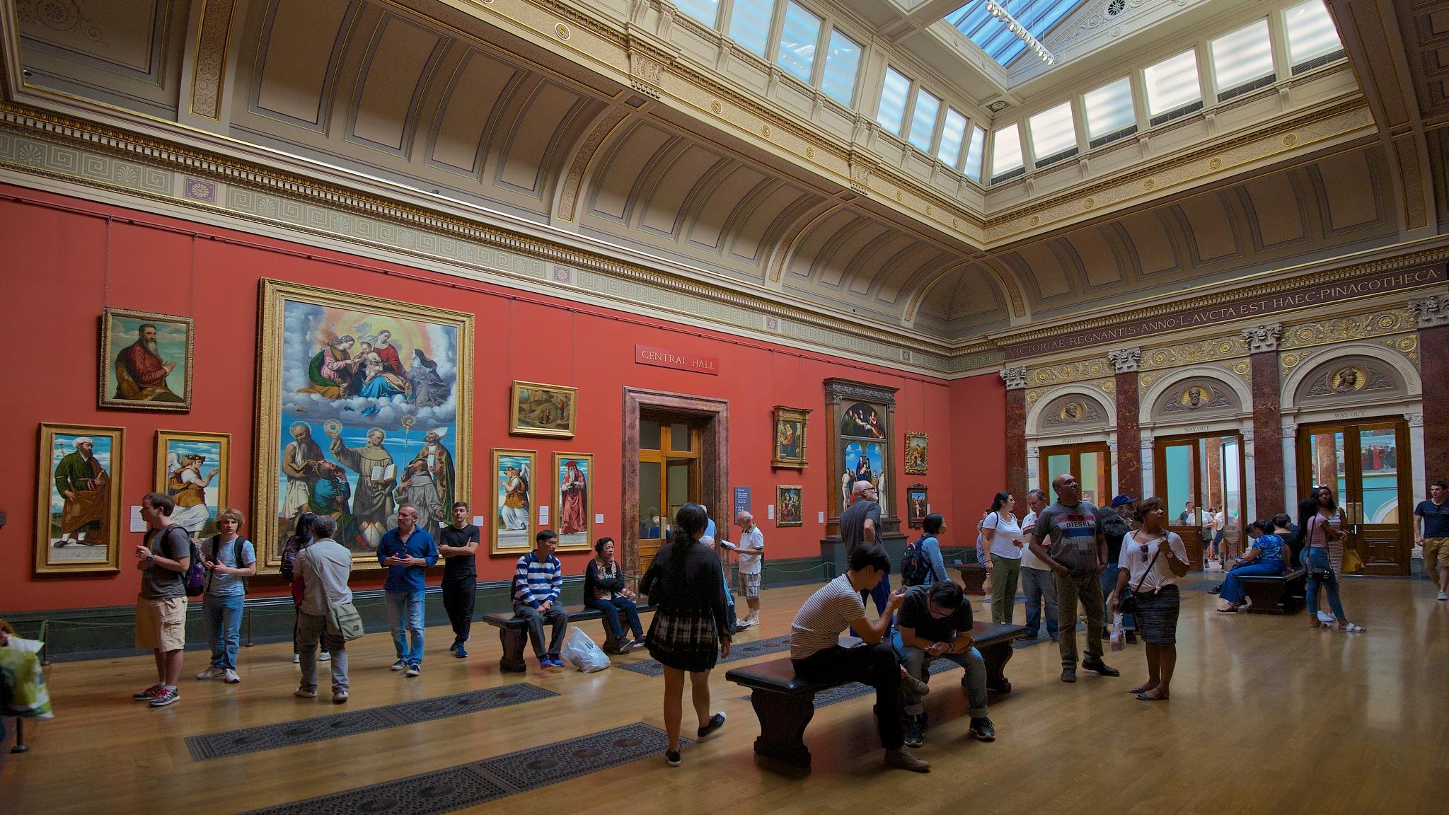 Central Hall - London Art Gallery by EmanuelPapamanolis