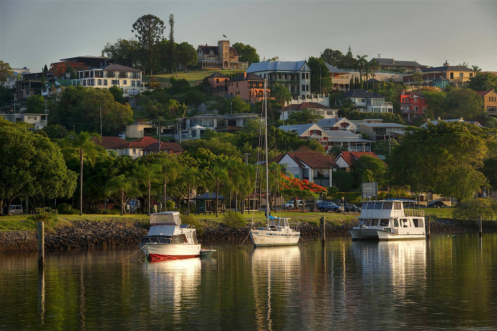 Brisbane River Hamilton by EmanuelPapamanolis