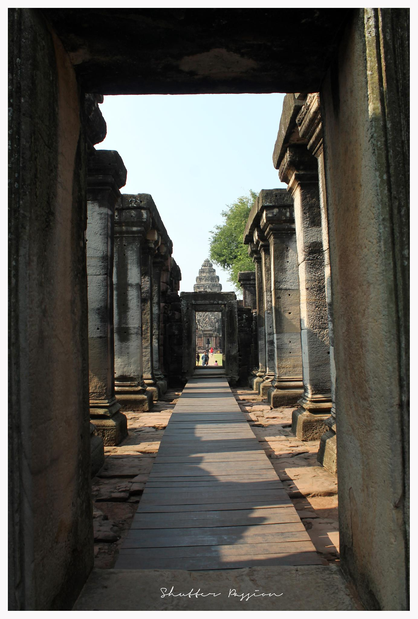 Phimai Historical Palace by akrudolie