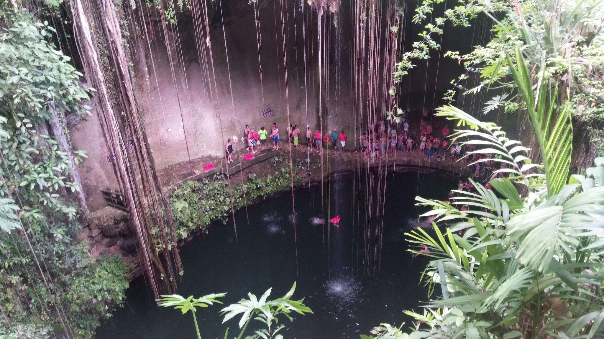 Cenote in Chichen itza Mexico by alvin.cordova.37