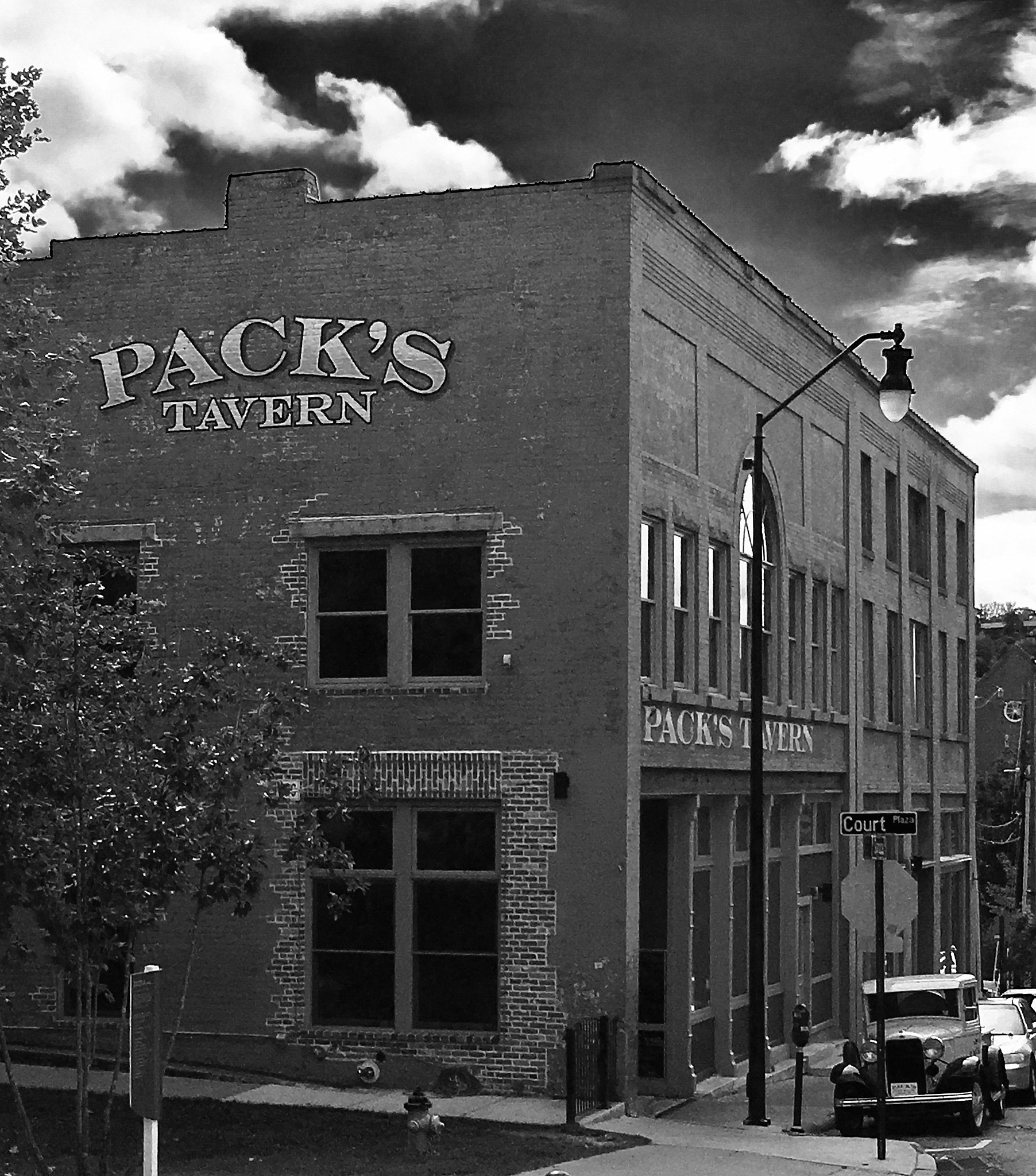 Pack's Tavern by becky.c.jones.3
