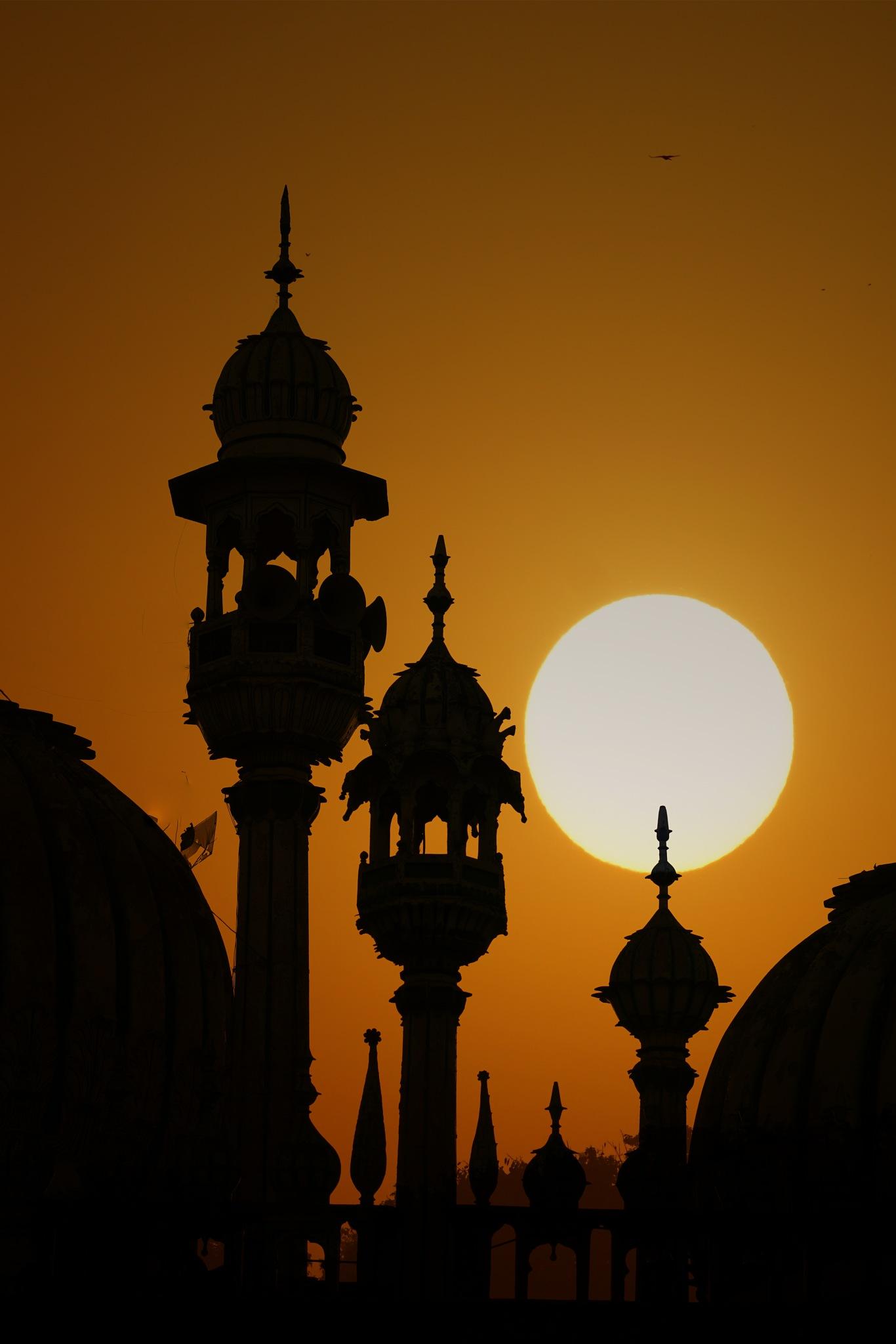 Golden hour in Lahore by navidqureshi