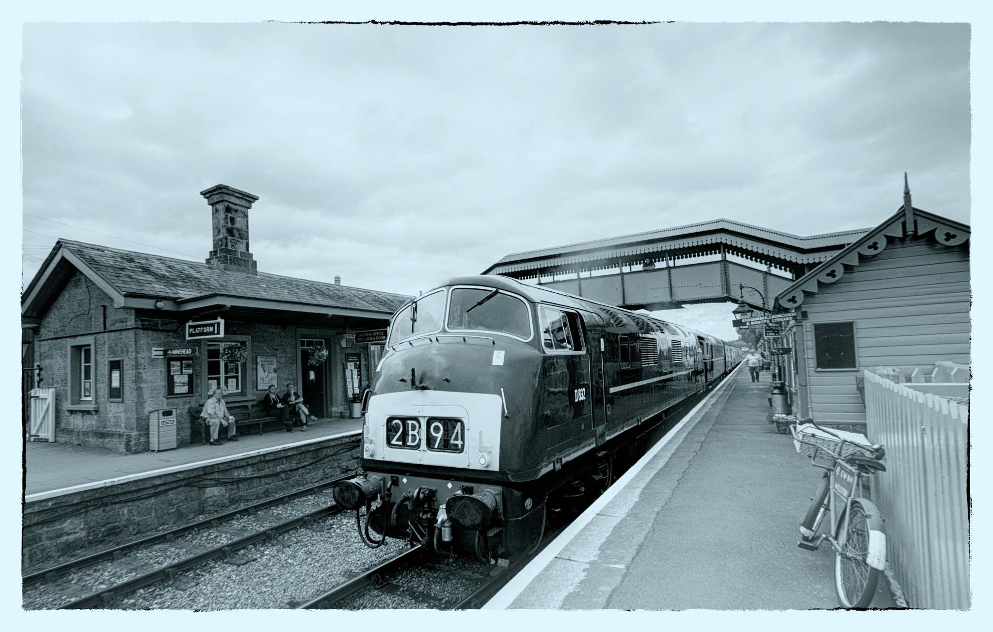 2B94 departing by Tony Bridges