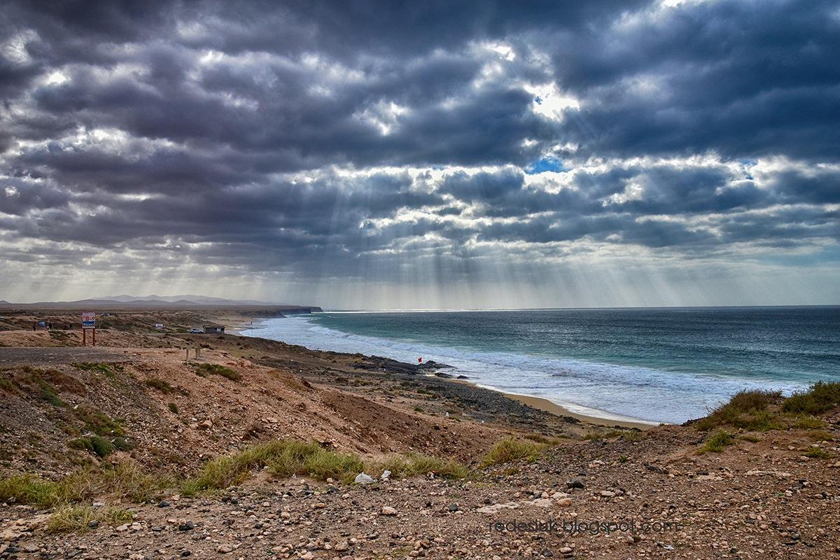 ocean by joannaredesiuk