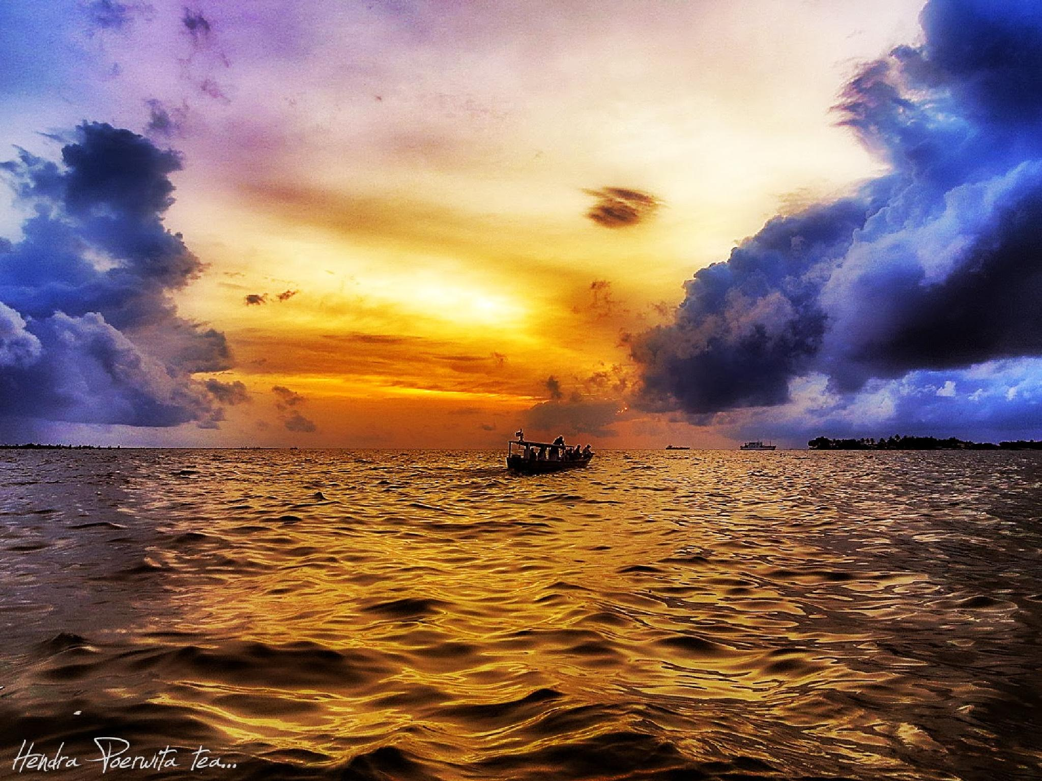 FACING THE STORM AHEAD by hendra.poerwita
