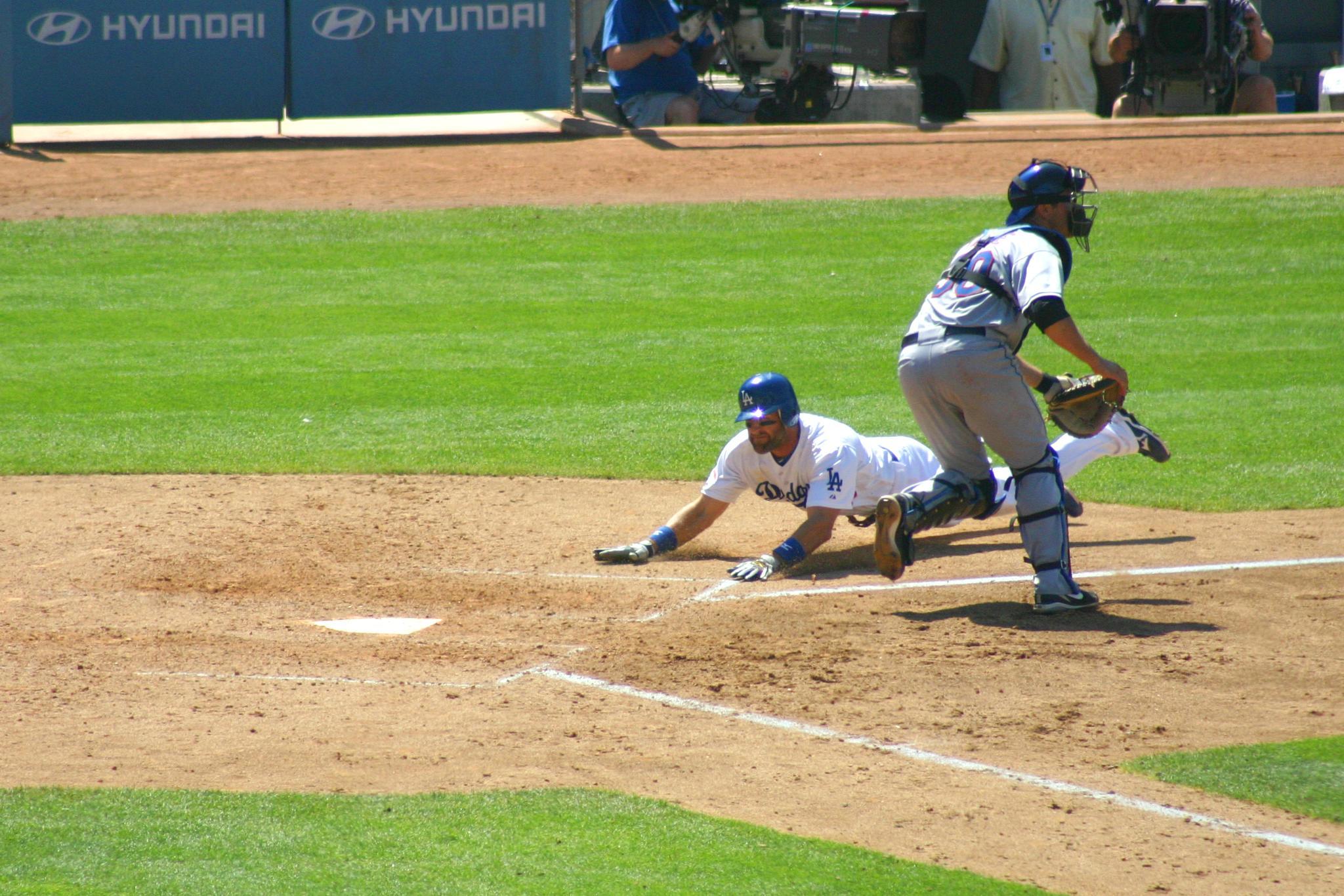 Dodger Sliding by lionel.ochoa.5