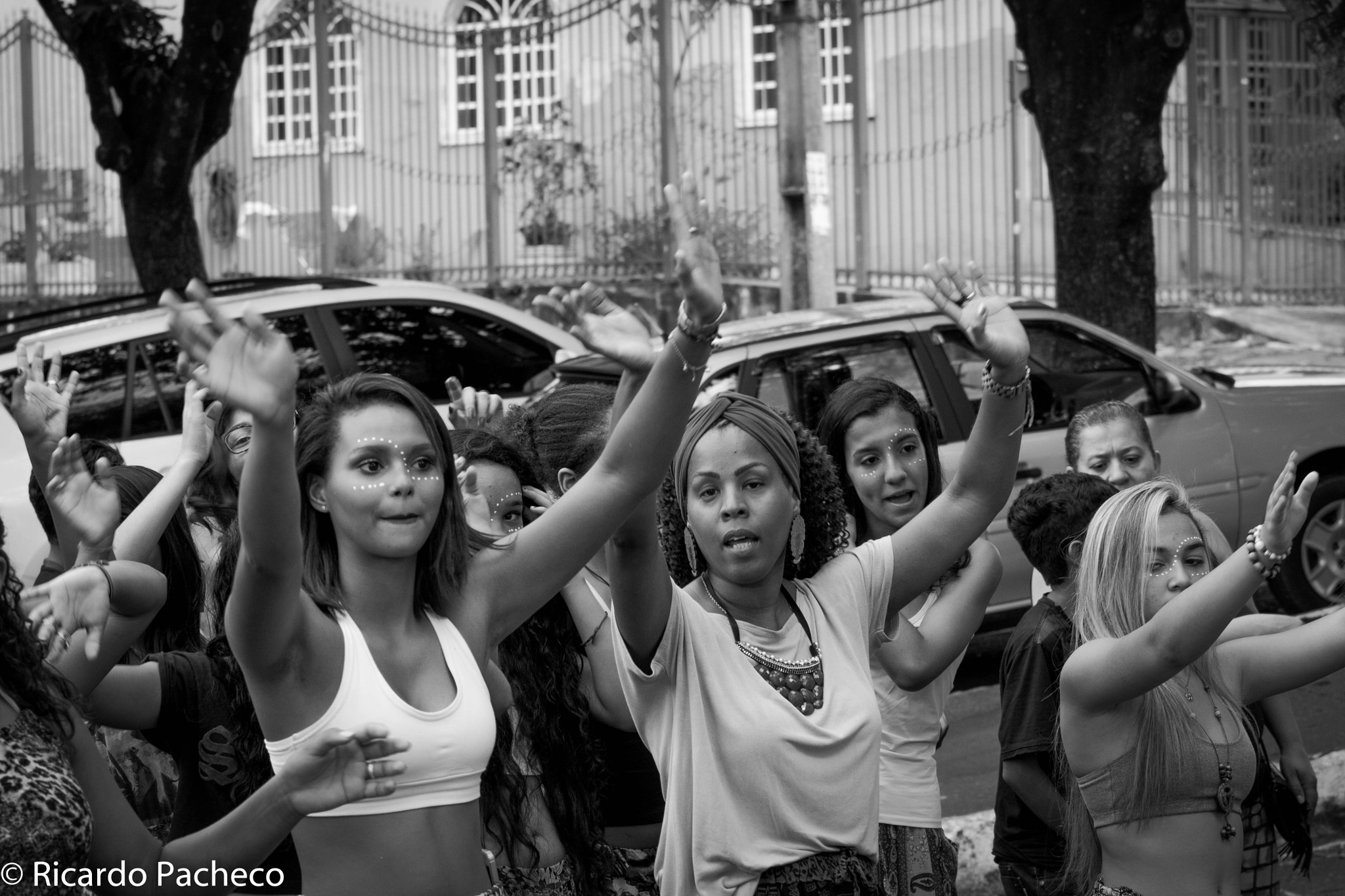 Dancing in the street by Ricardo Pacheco