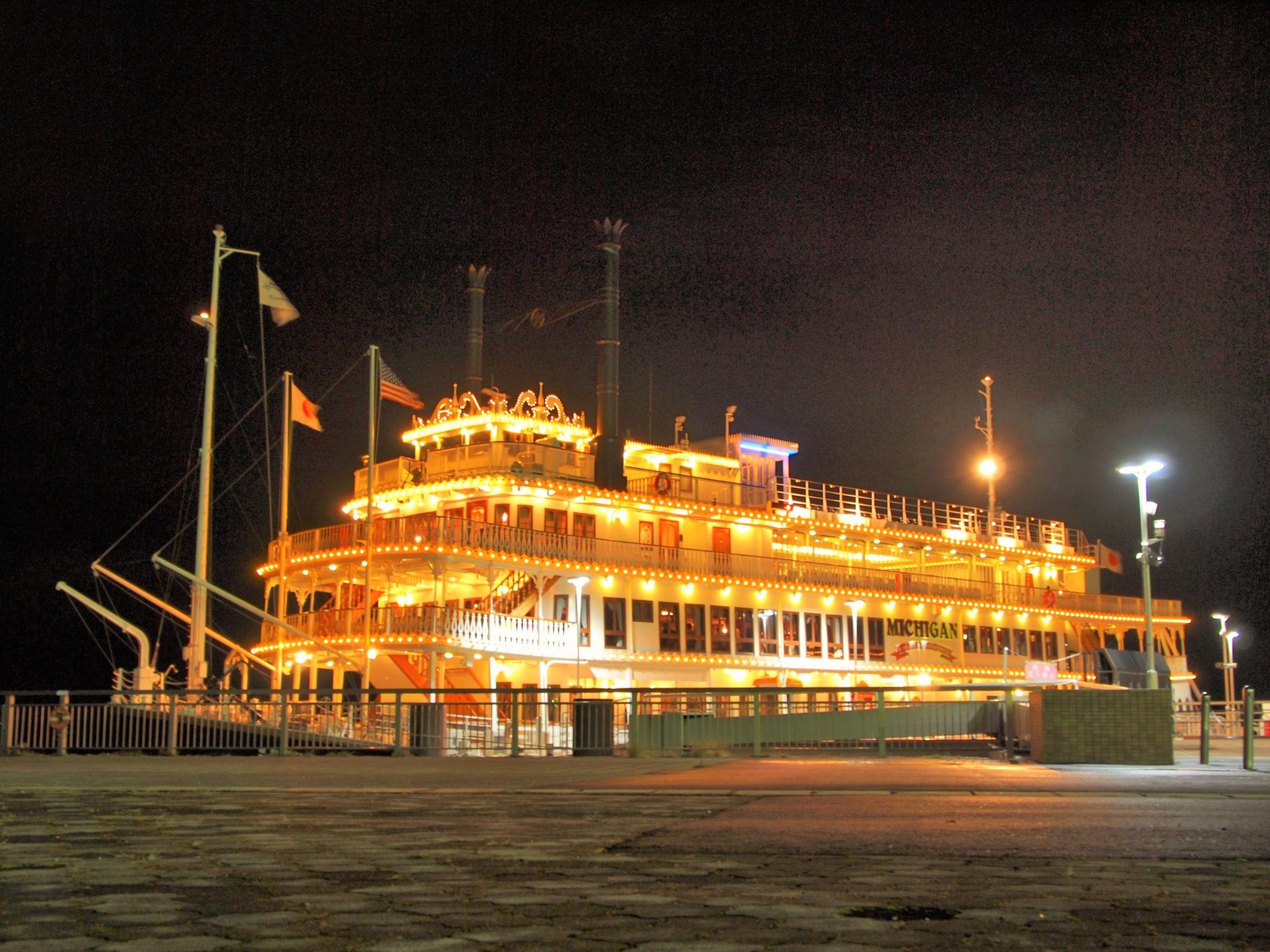 Michigan ship light up berth   by SANRI