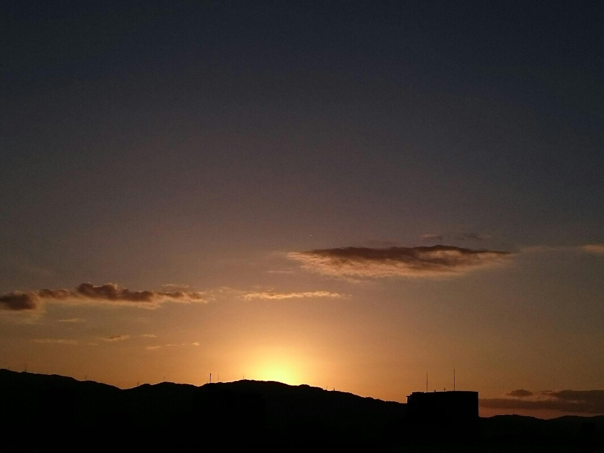 Sky golden by SANRI