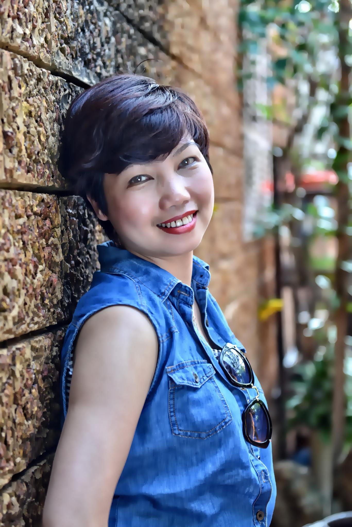 My friend - Phuong Ha by Hung Quang Ngo
