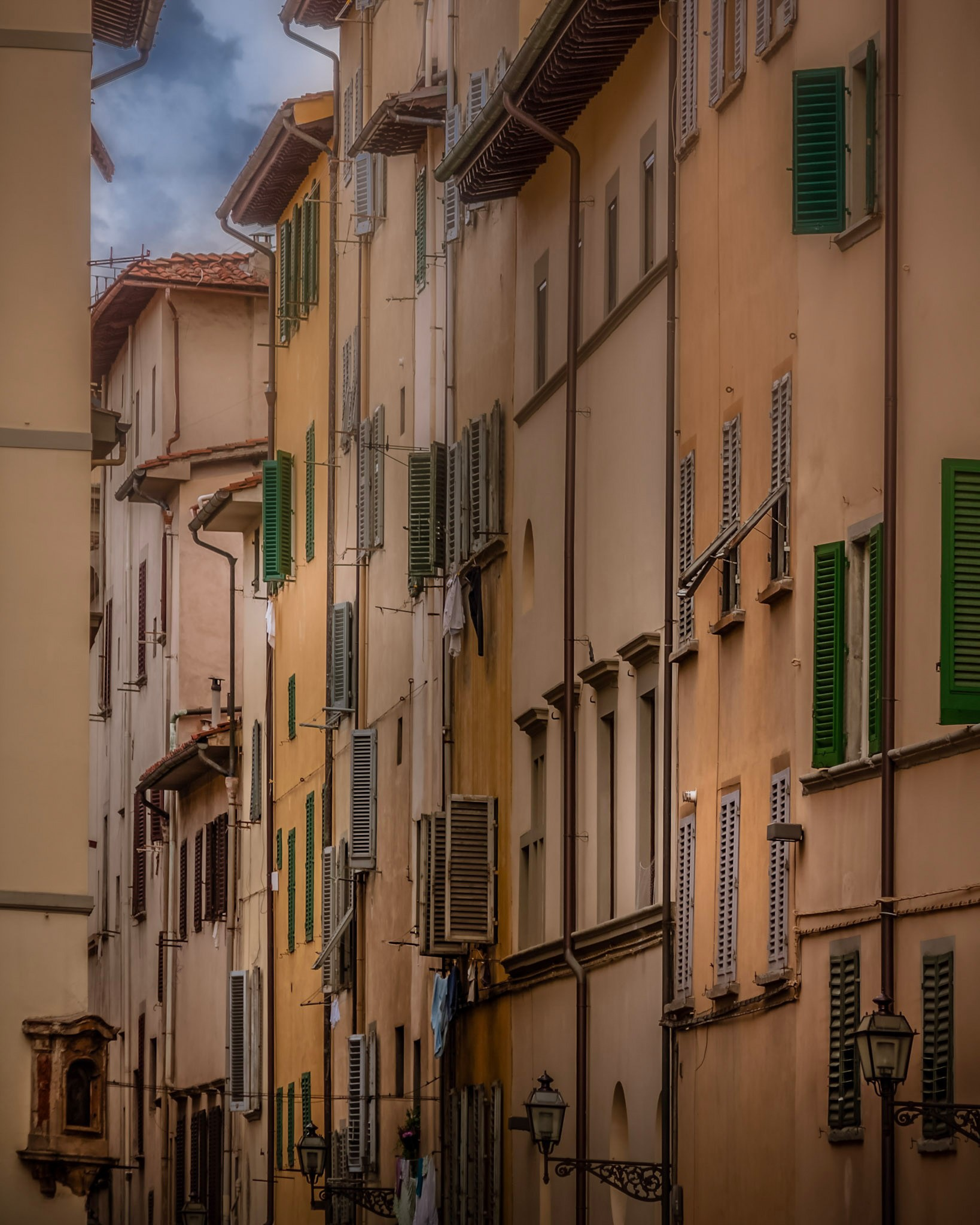 Living in Florence  by Rob Menting