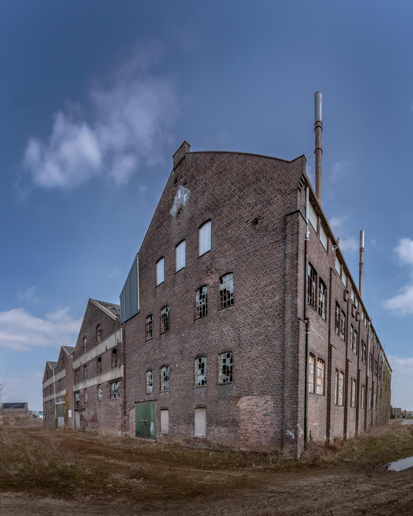 Greswarenfabriek  by Rob Menting