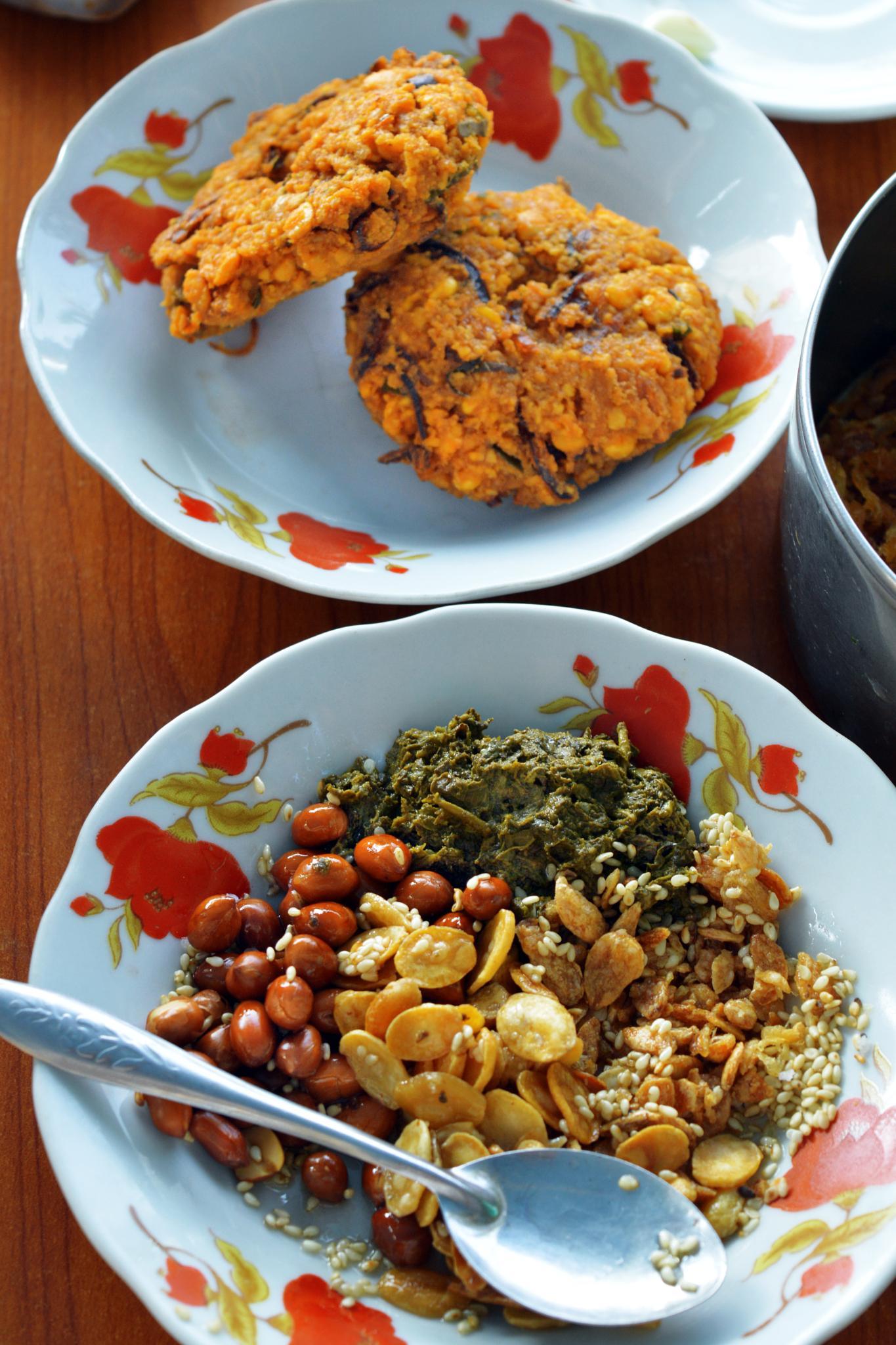 Myanmar Traditional Food by Ko Kyaw Thura (Ko Kyaw Kyaw)