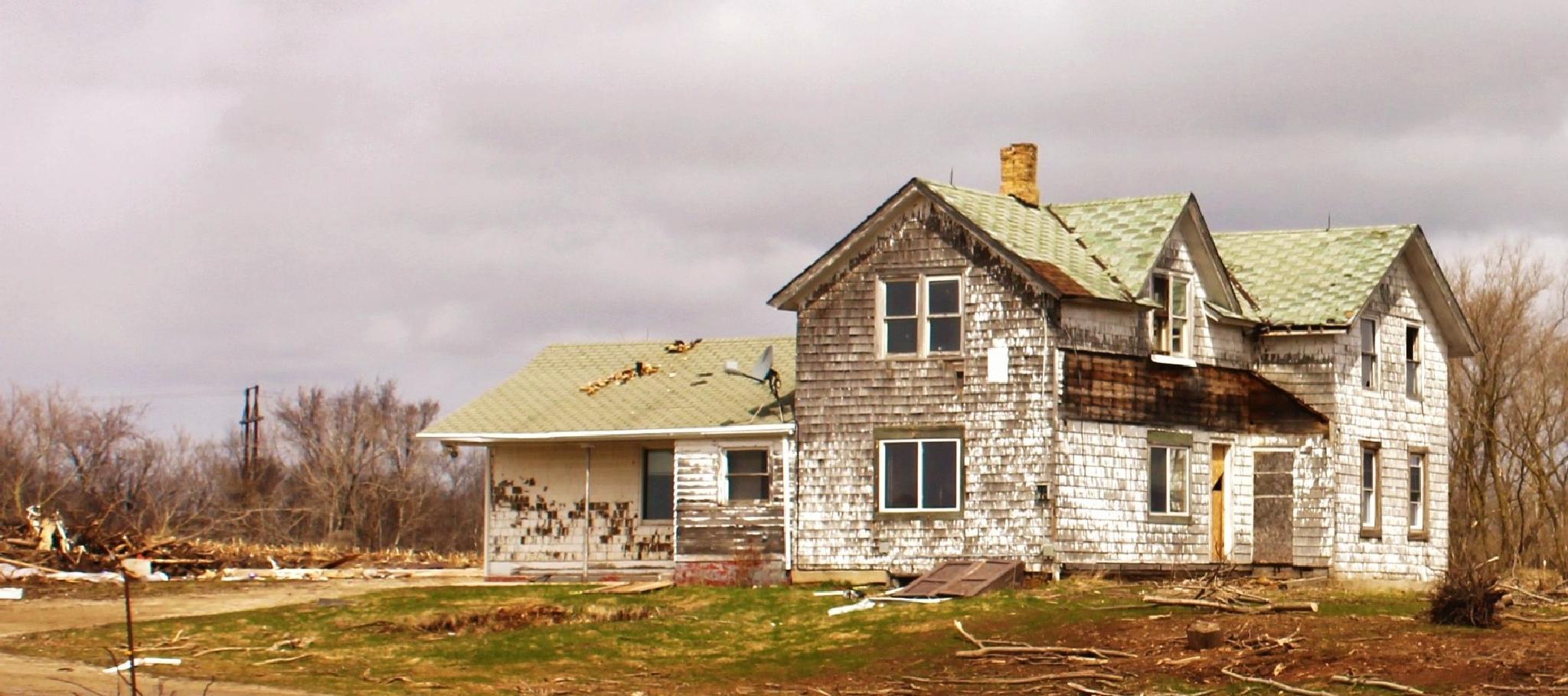 Abandoned Farm House by autumn.acres.1
