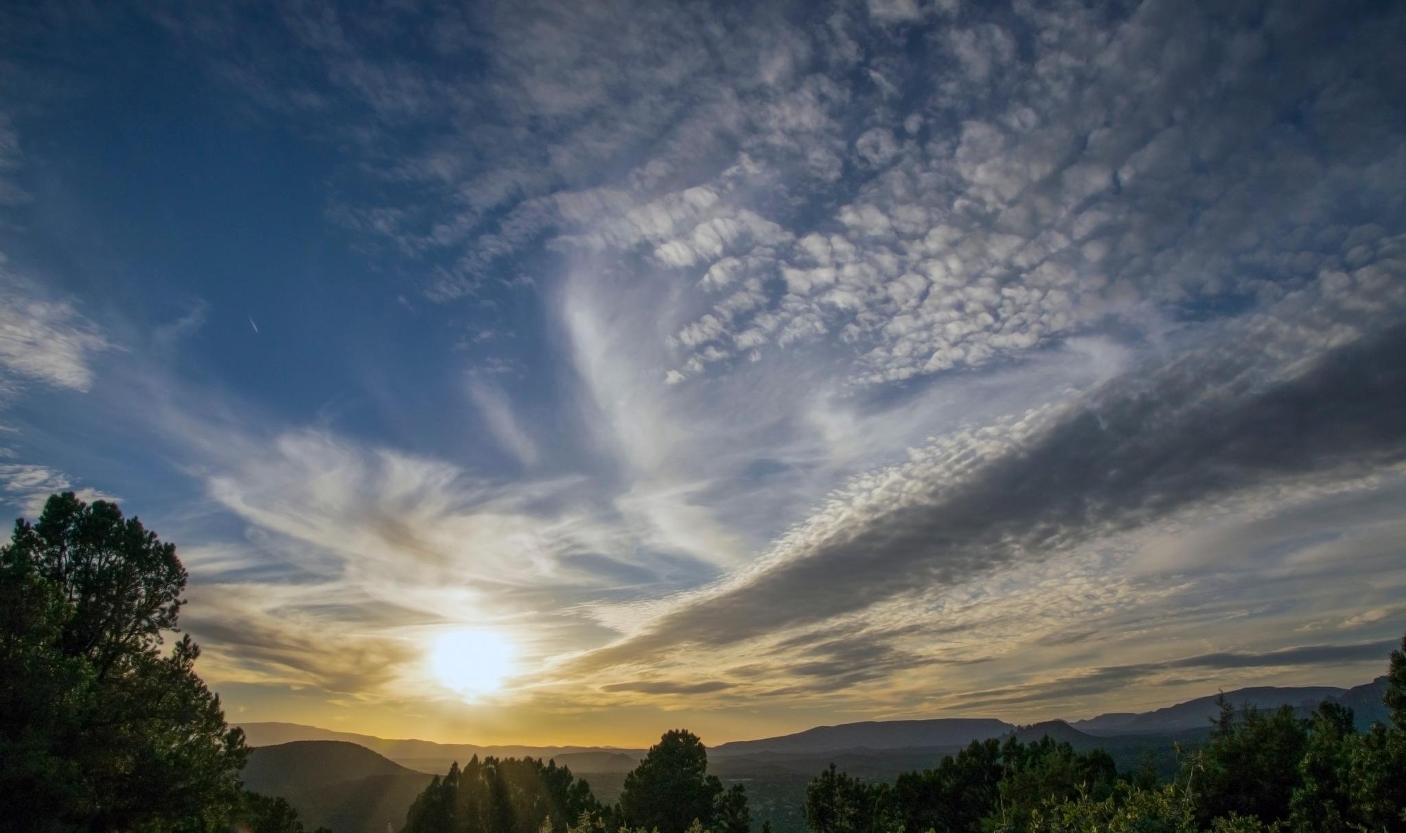 Sunset Sedona, Arizona by Patricia J. LaHaie