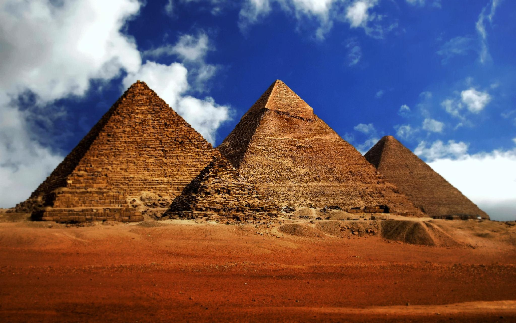 The Pyramids of Giza by ChristopherMorrison