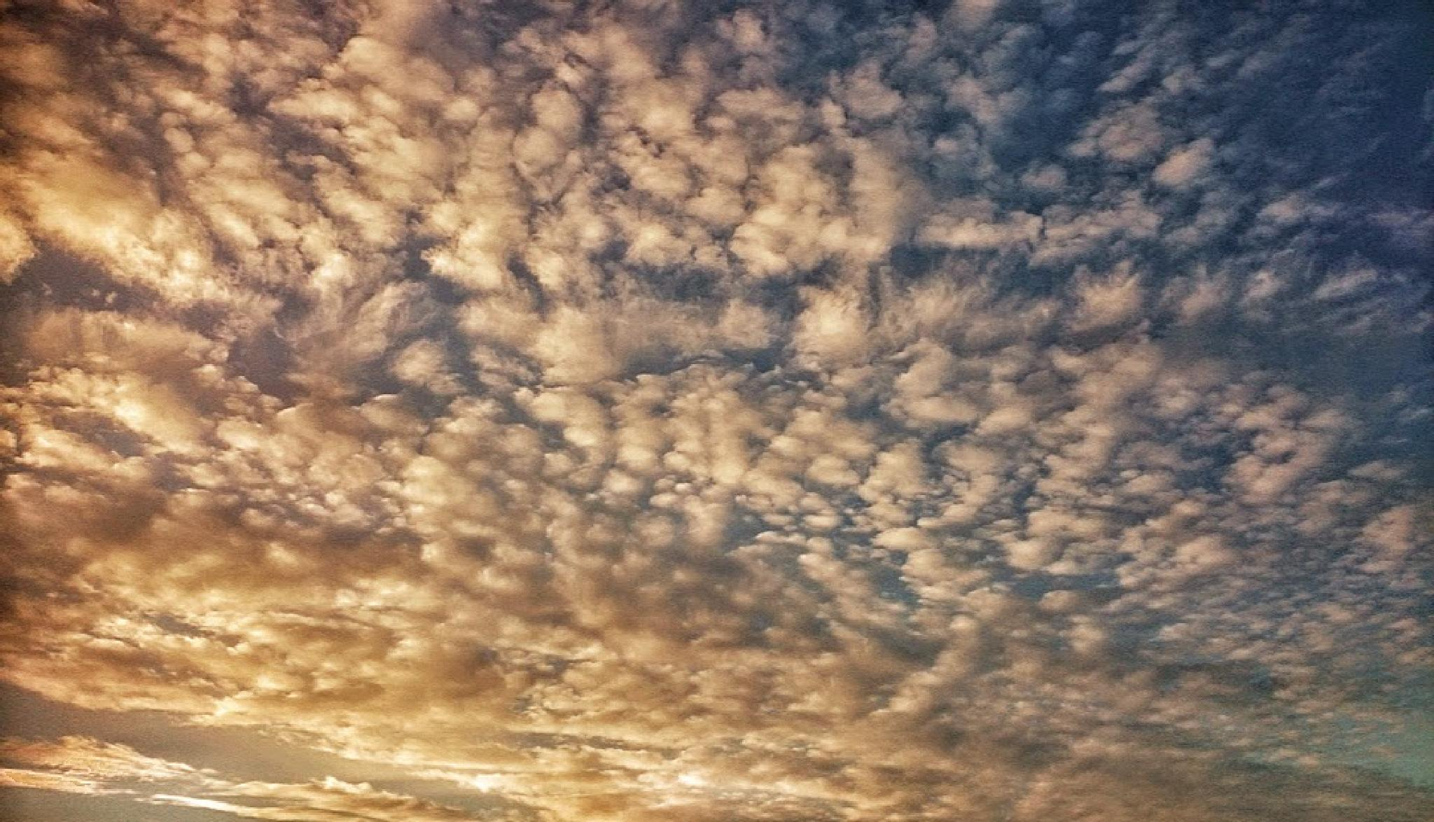 Clouds 2 by geoff richards