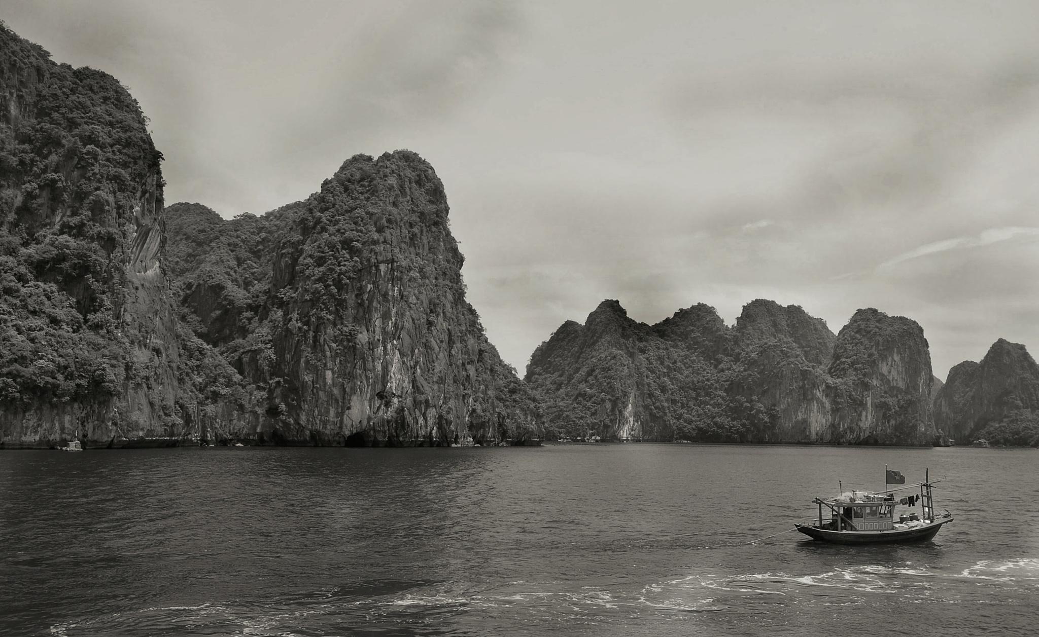 Ha Long Bay by Ming_Bear