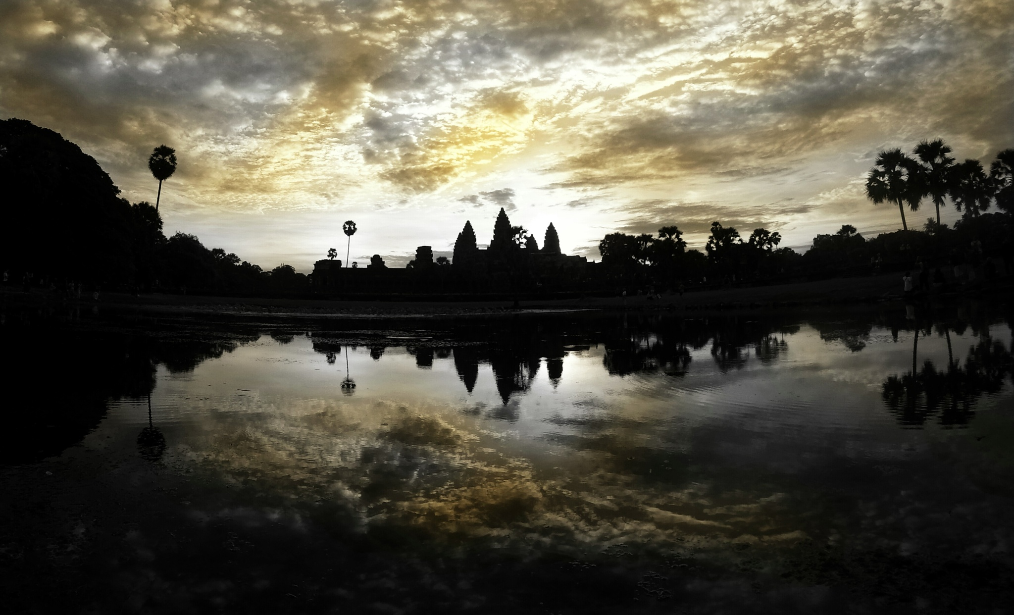 Painted sky of Angkor! by Ming_Bear