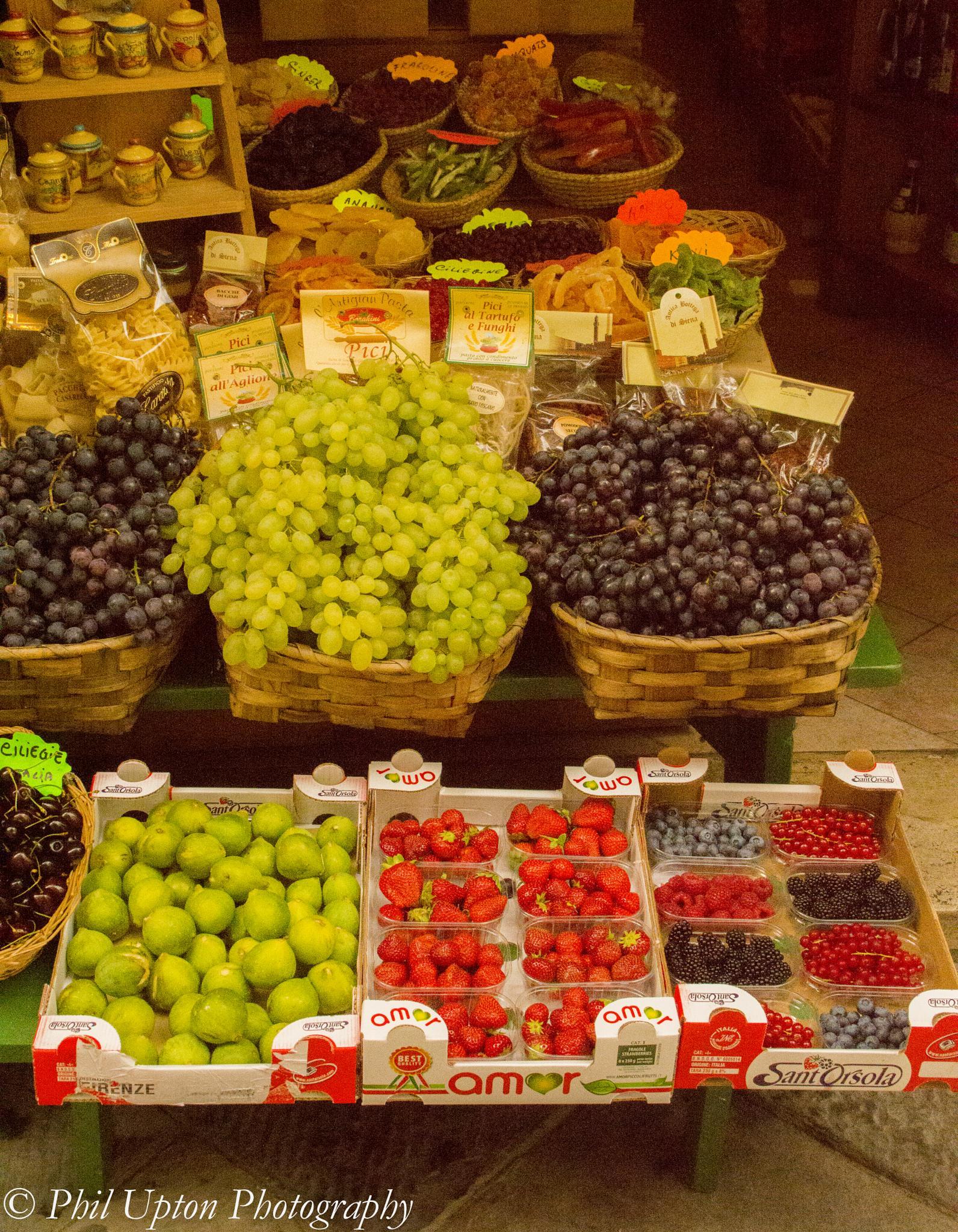 Frutta by Phil Upton