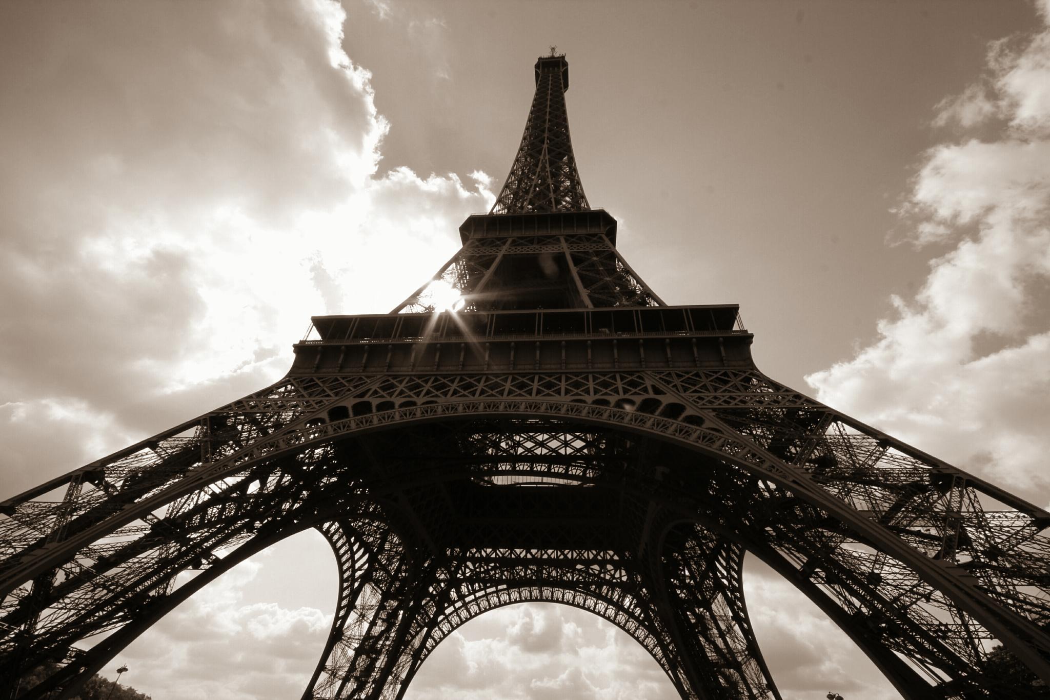 Eiffel Perspective by danlandry69