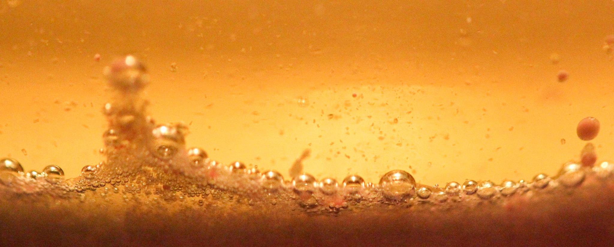 Bubbles in oil by danlandry69