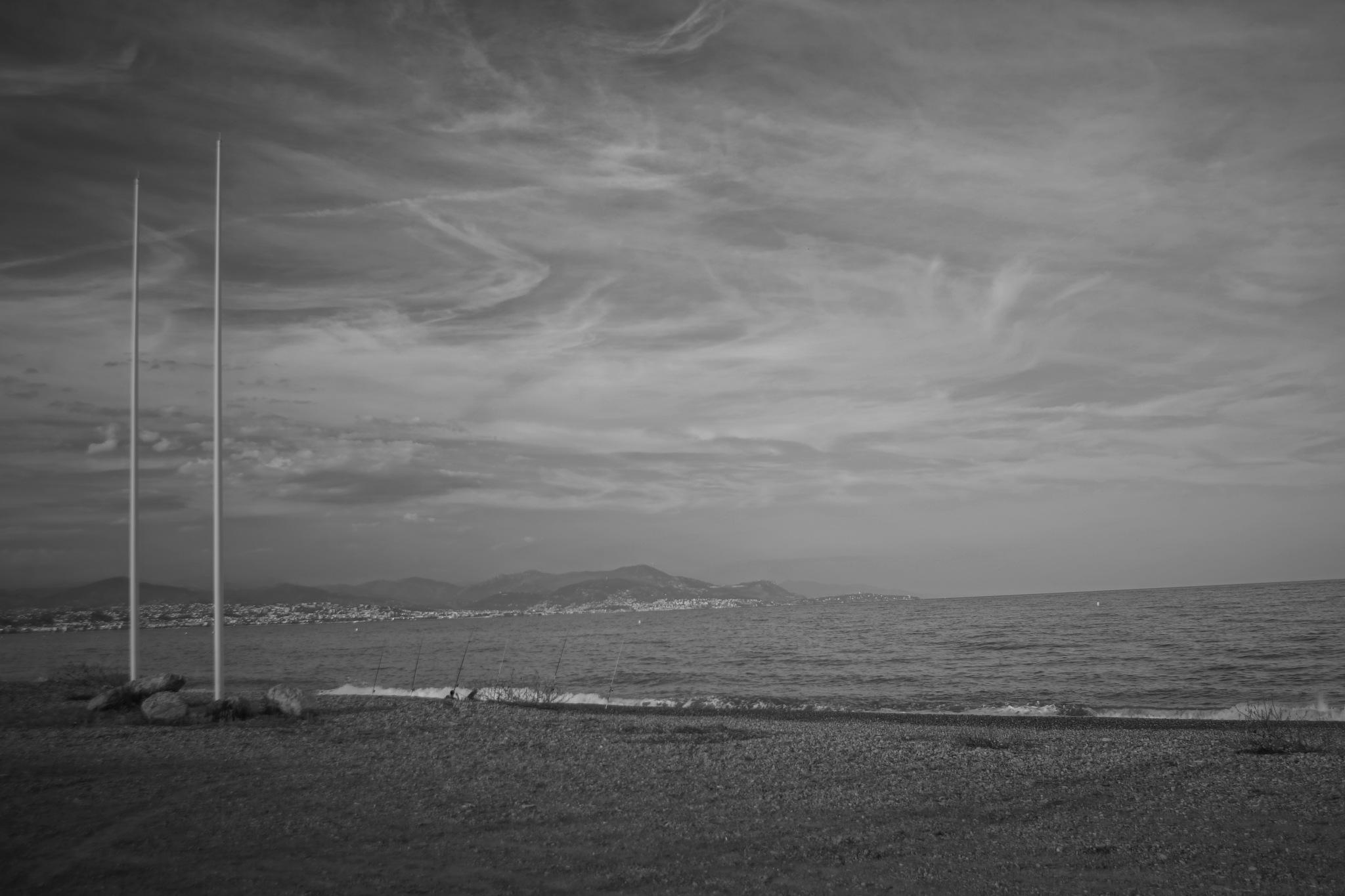 Black and White Beach World by erol.antz