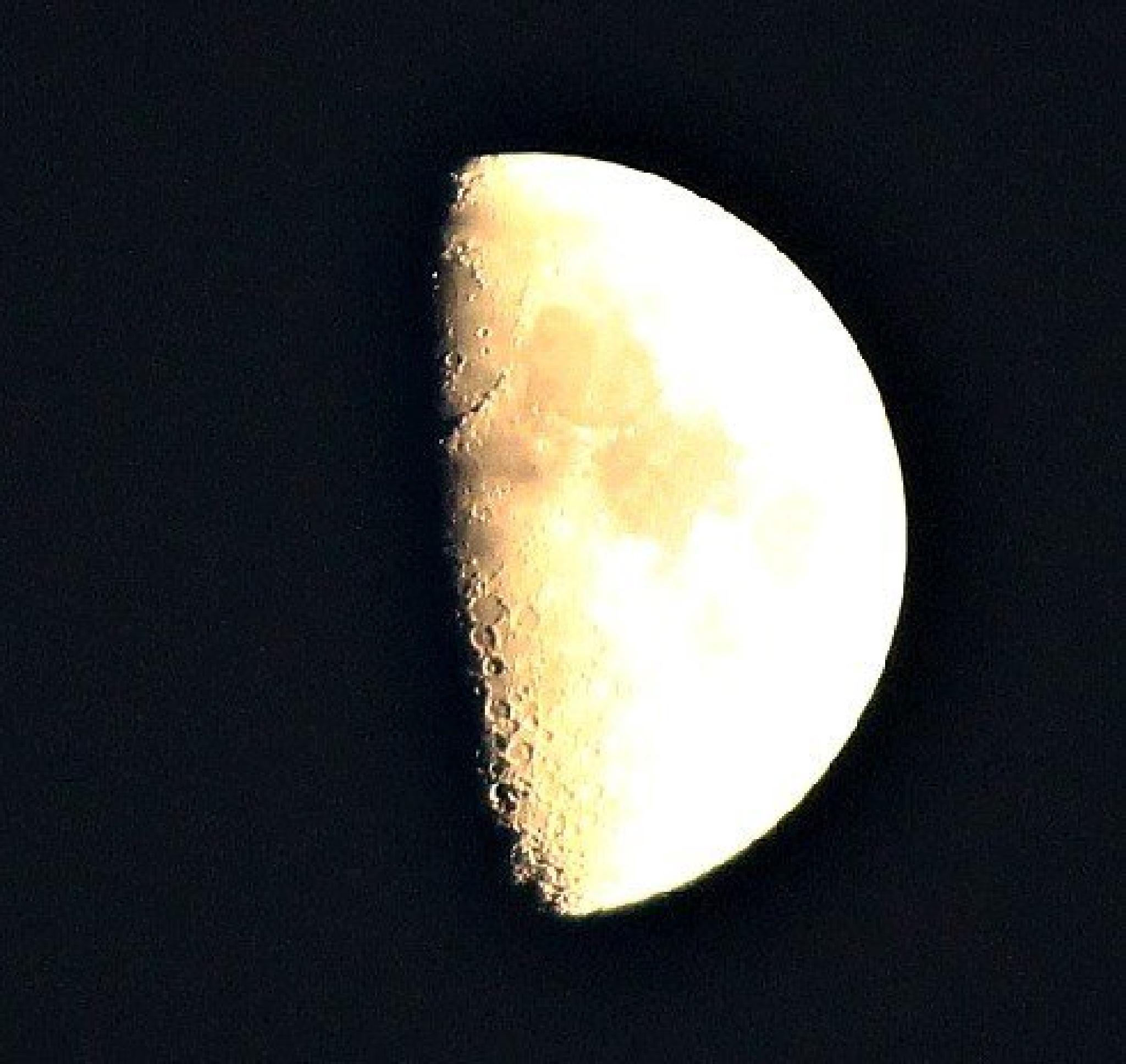 moon  by ged.hepburn