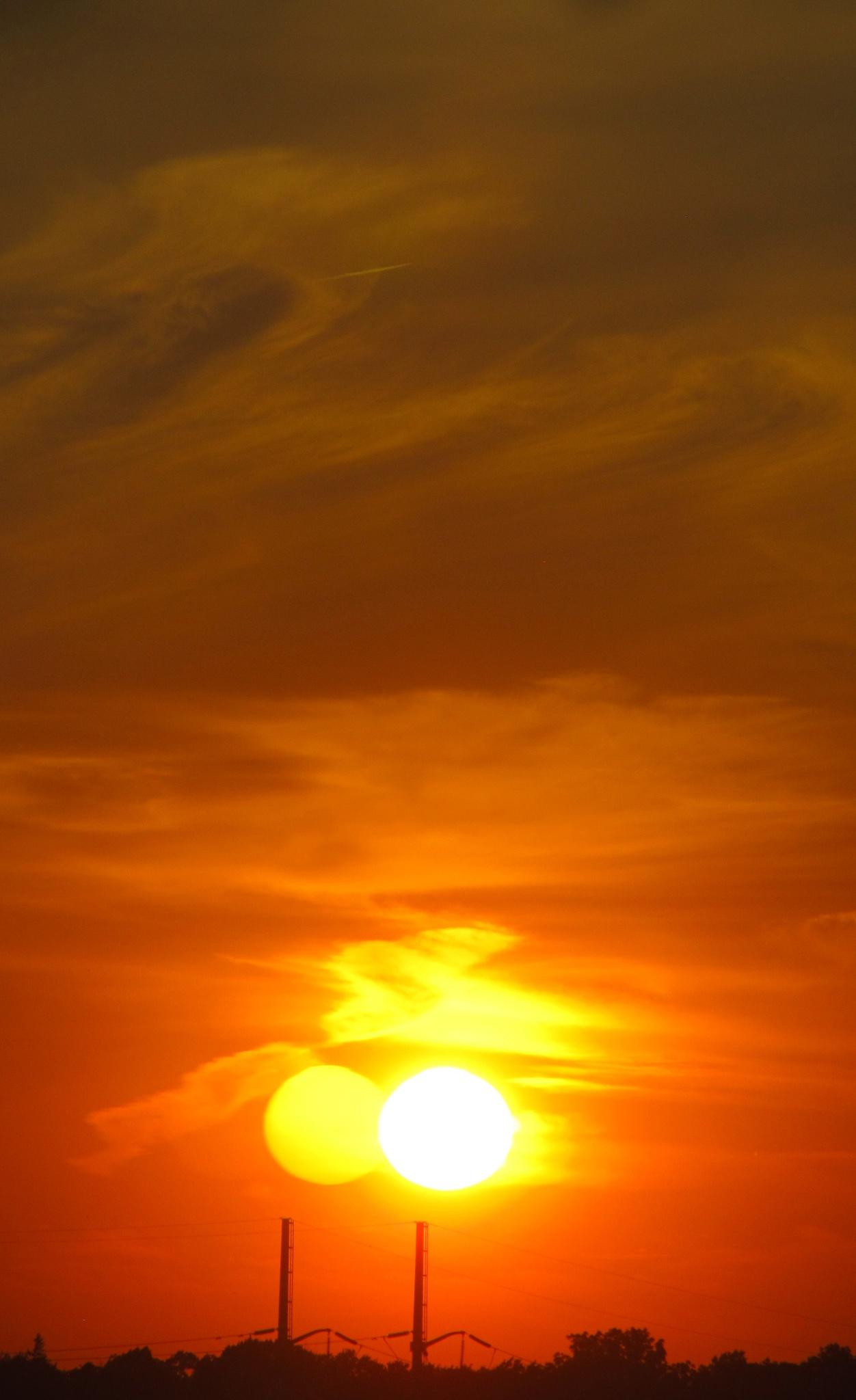 Orange Red Sky by simonp