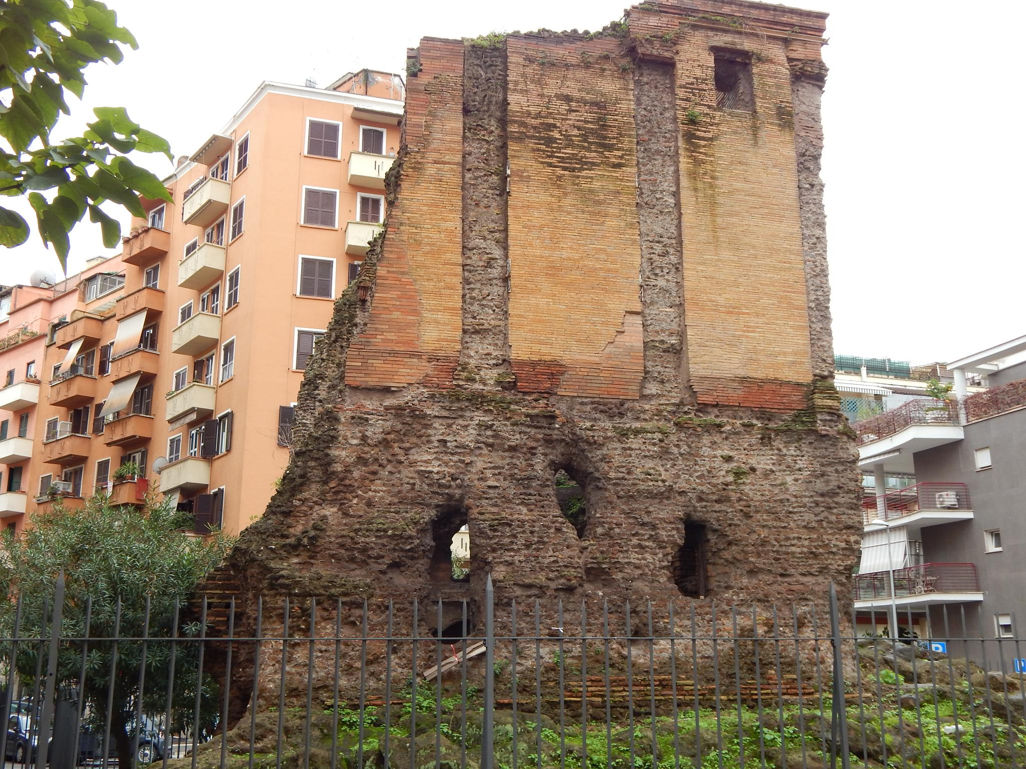 How to use the Tomb of Elio Calistio : just follow the scenes by Juan Carlos Mendez (jcarlmendez@gmail.com)