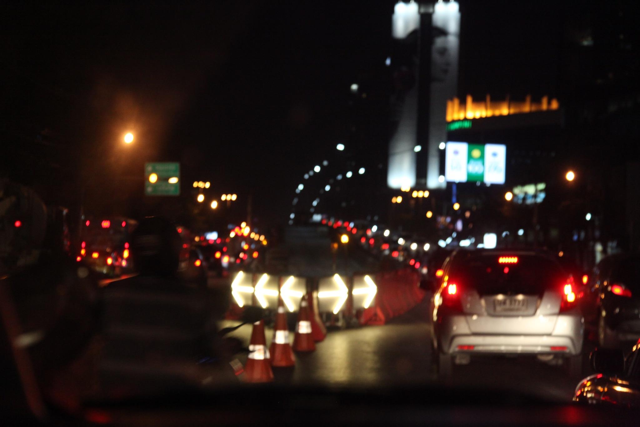 Bangkok night  by Ru