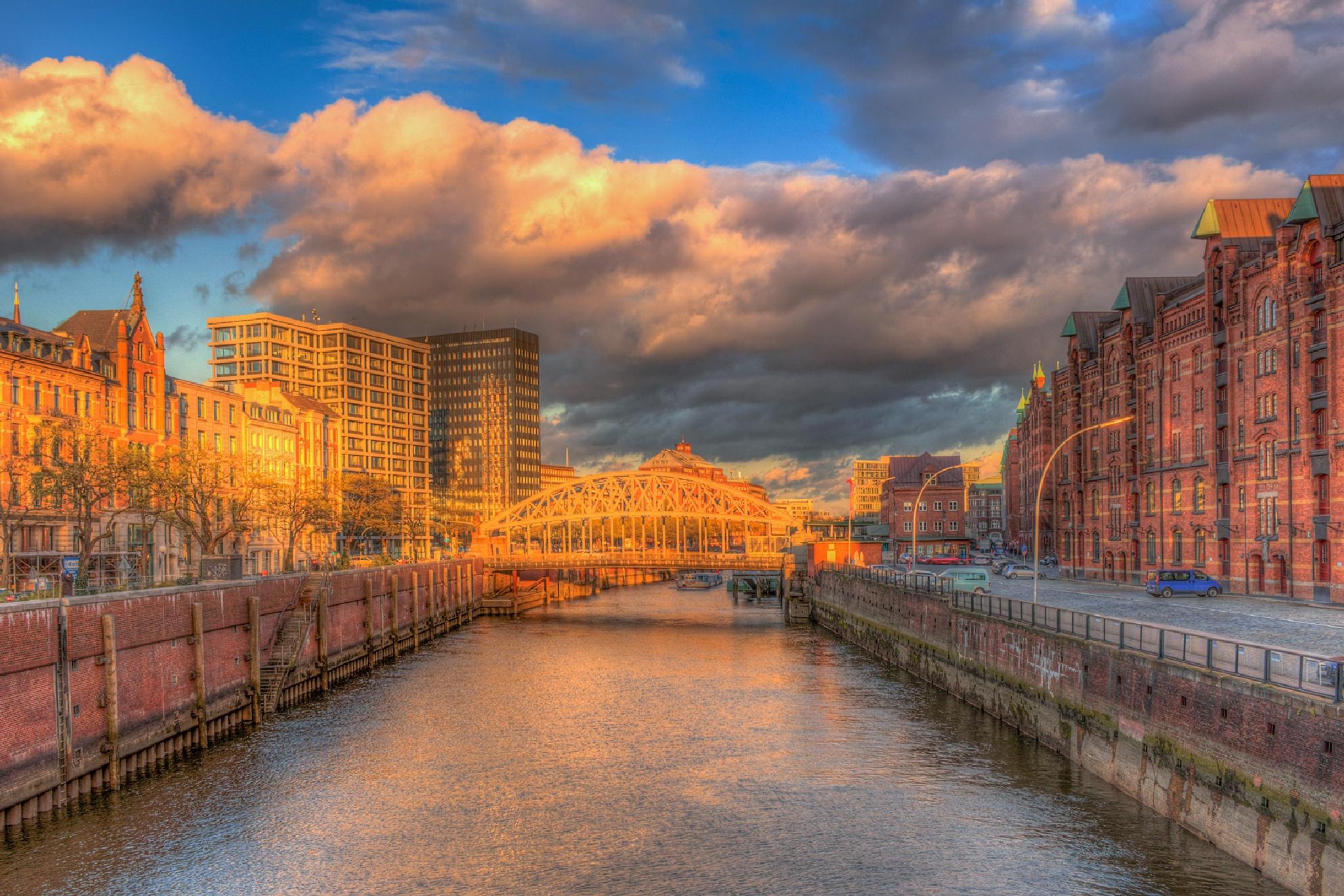 Hamburg - Speicherstadt 3 by Maik Richter Photography