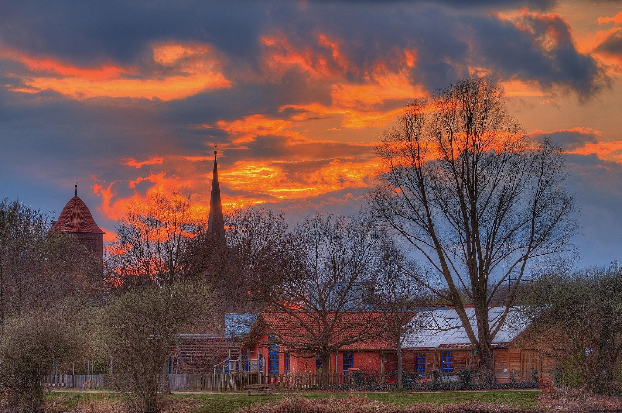 Clouds are burning by Maik Richter Photography