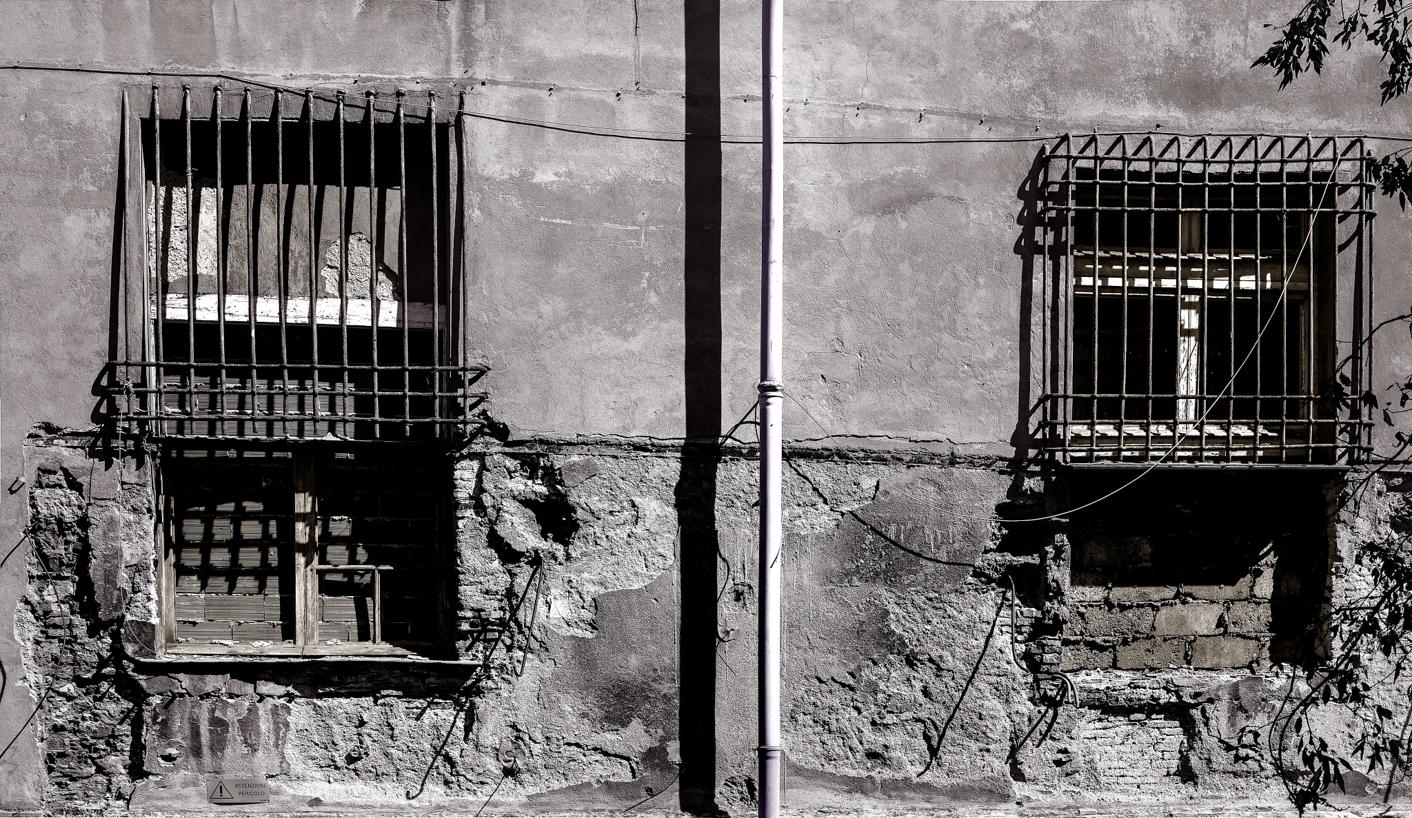 THE CITIES AND THE WINDOWS by    MAX  PENTINETTI