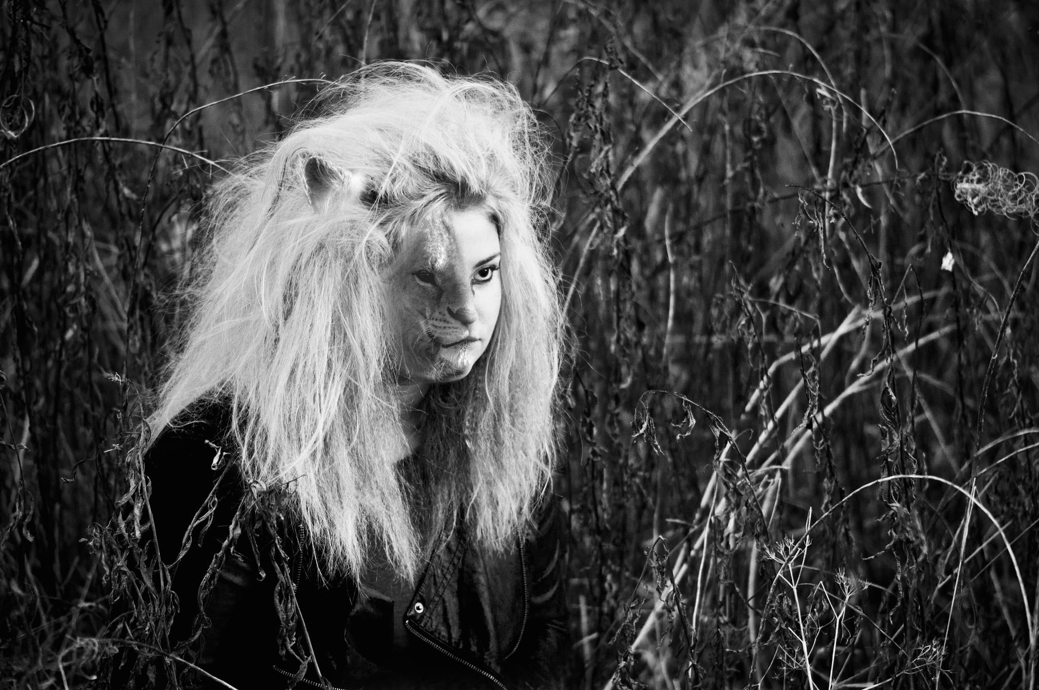 Zodiac - Leo by Isabella Carlsson