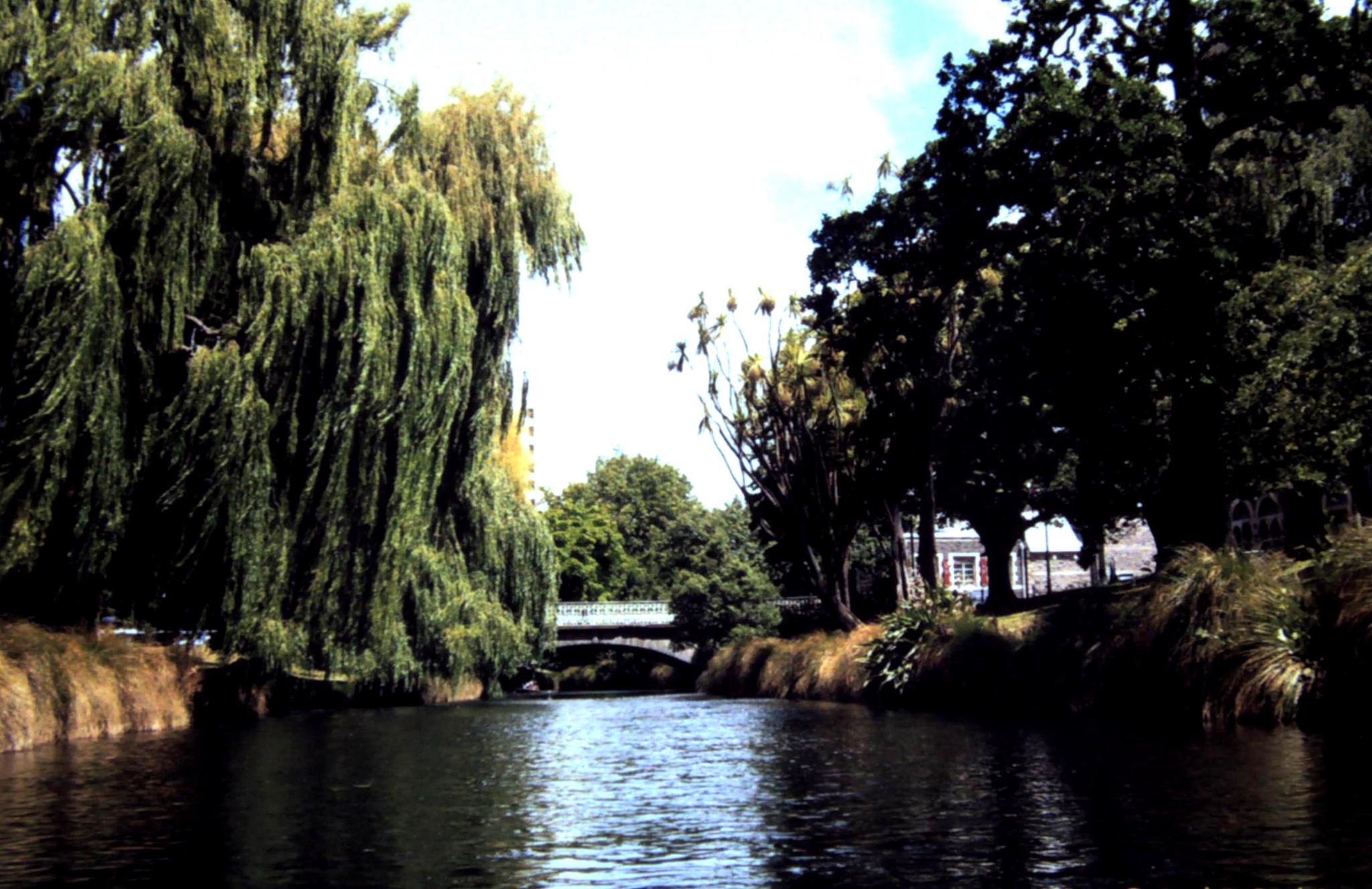 Punting on the Avon by pretblueye