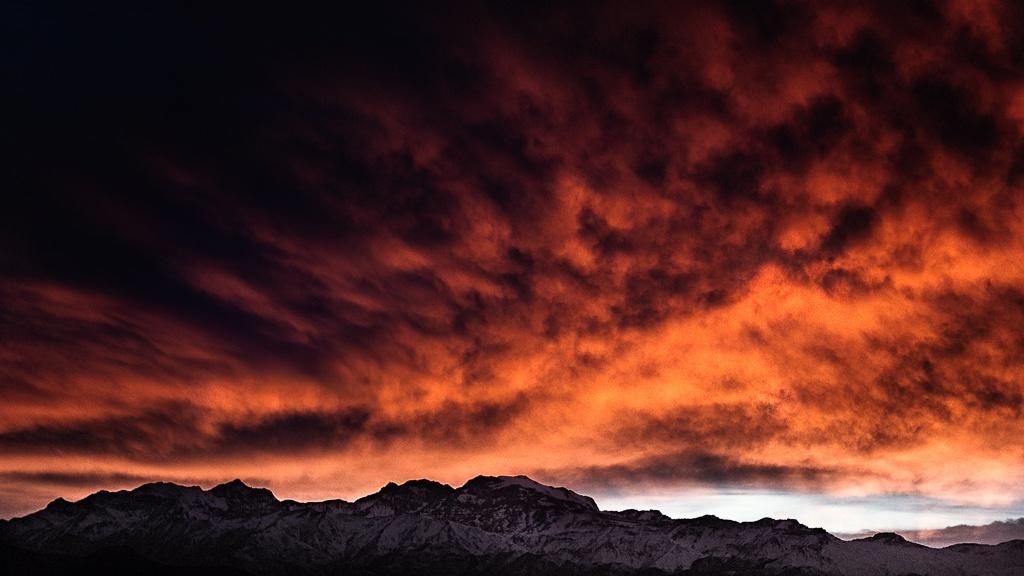 amanecer en Santiago de Chile by Camilo Towers