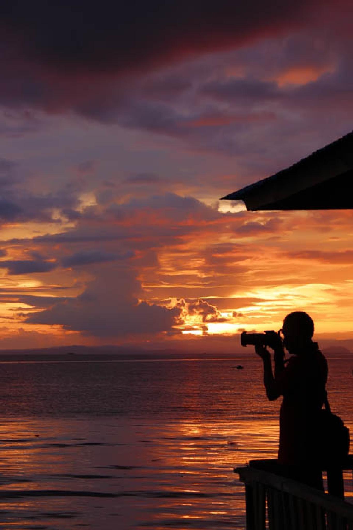 #Silhuette#Photographer#Sunset by Hamzah Zain