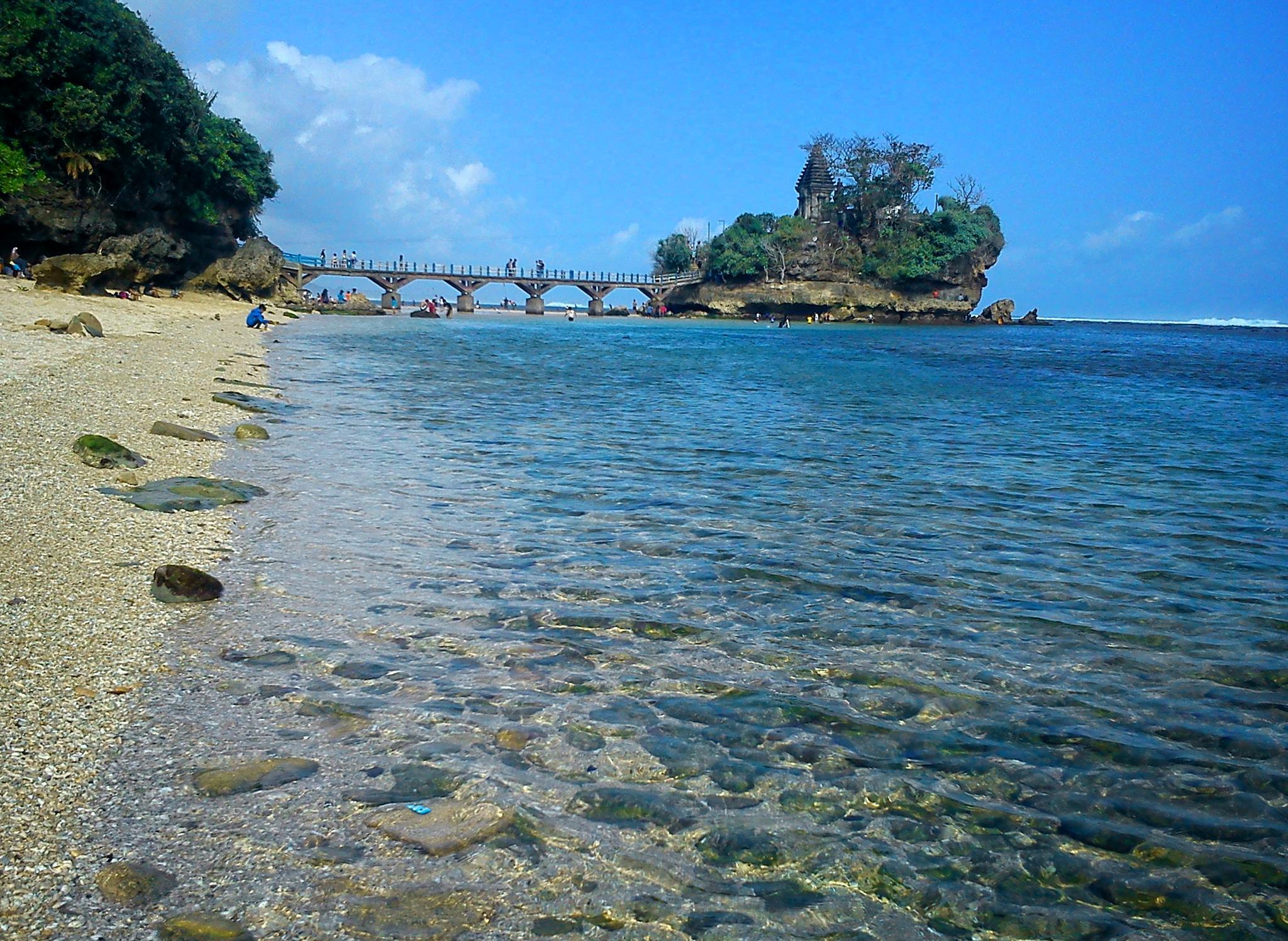 Balekambang Beach, Malang, East Java, Indonesia by ciplukan niz3