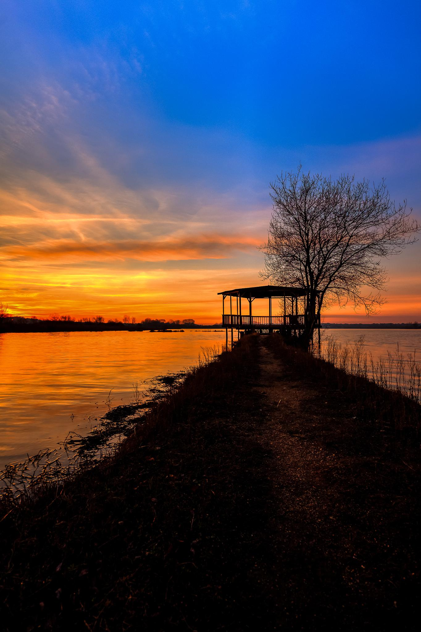 Sunset at the lake by NunoMiguelValente