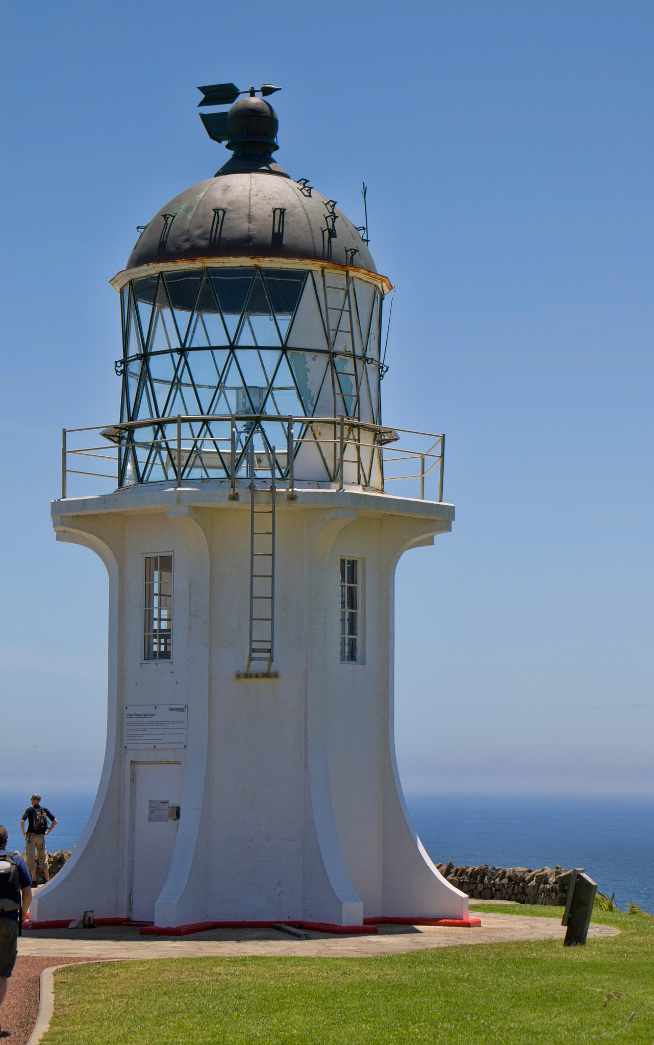 Scenic Cape Reinga by Derek Clarke