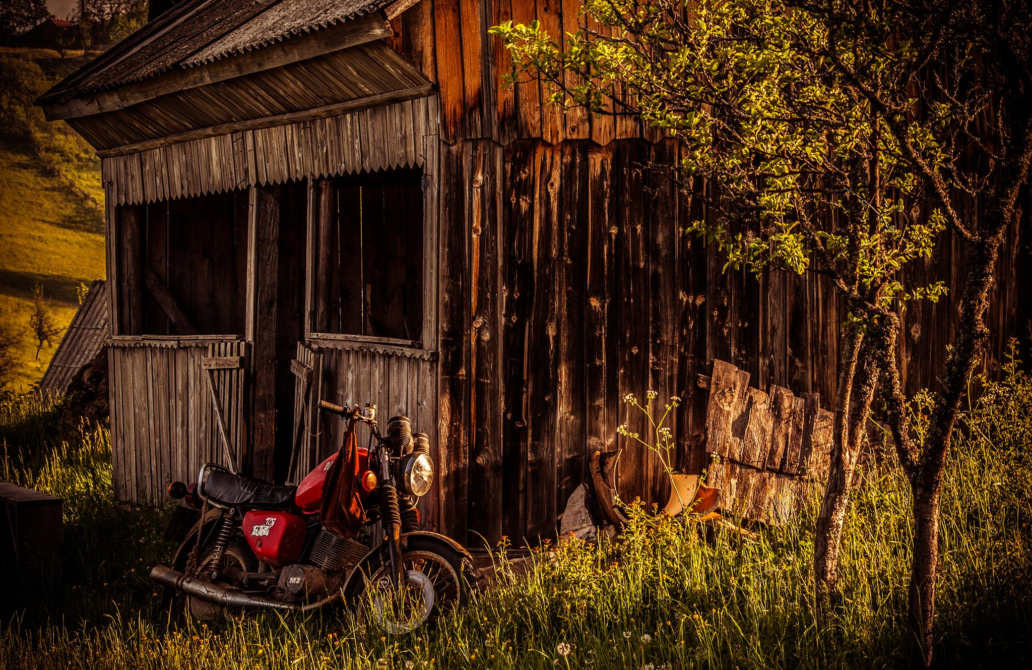 Old motorcycle by Peptan Marius
