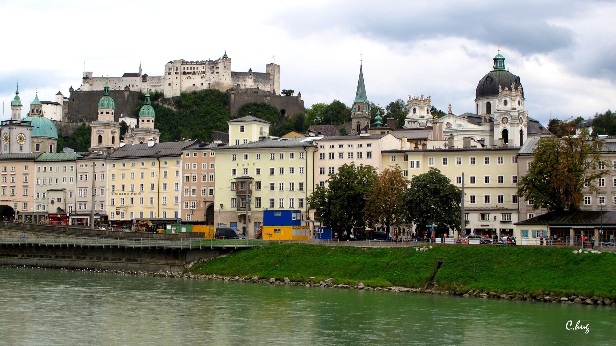 Ville de Salzburg by Huguenin Claude